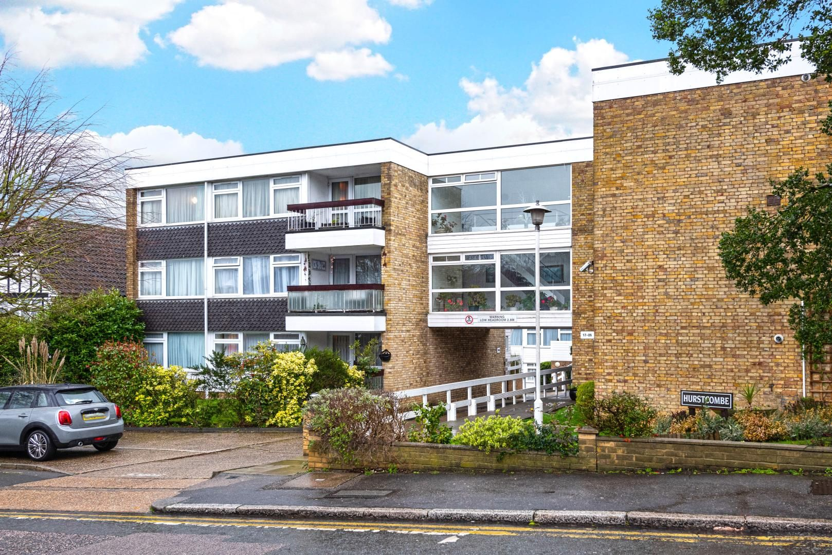 2 bed flat to rent in Whitehall Lane  - Property Image 11