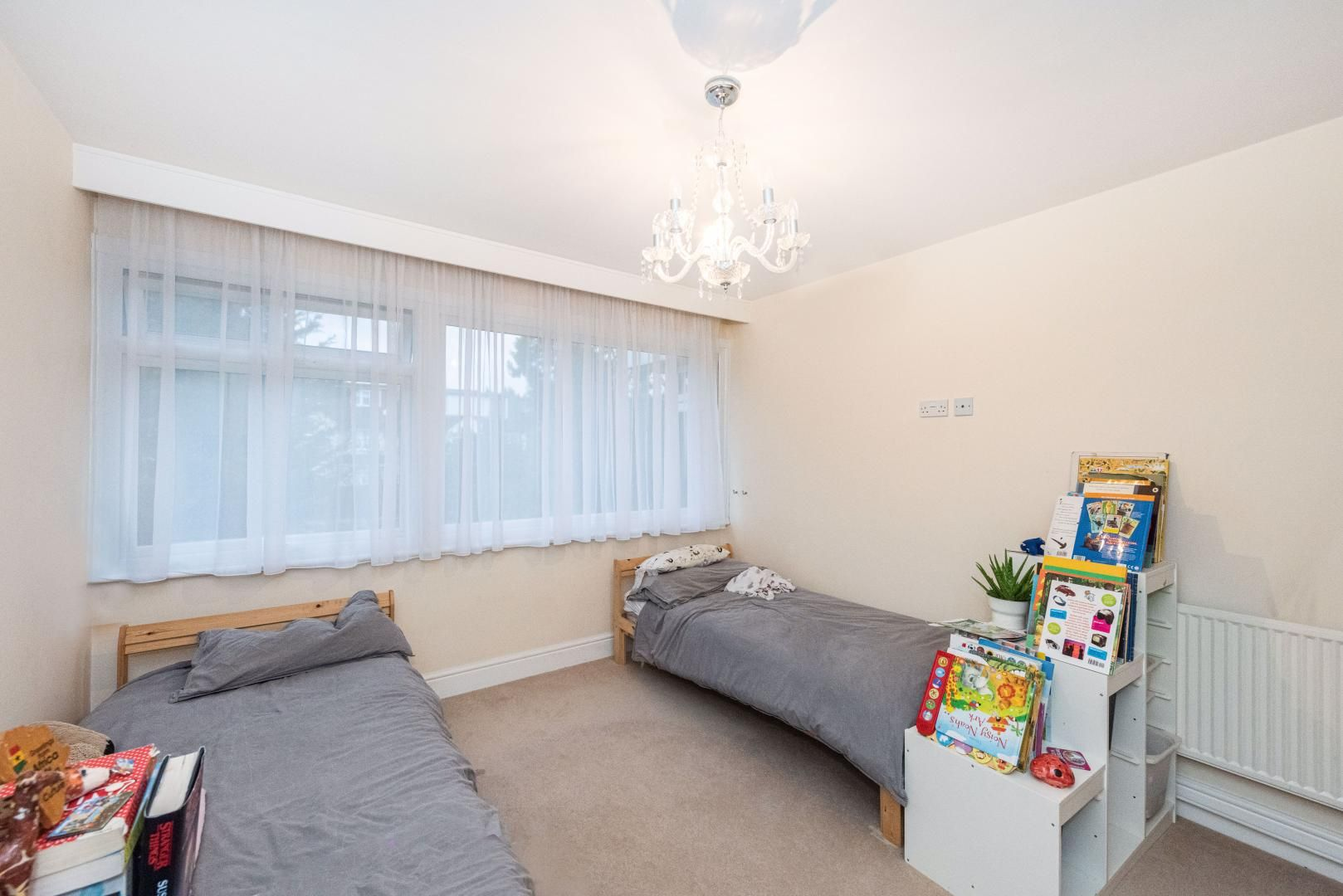 2 bed flat to rent in Whitehall Lane  - Property Image 9