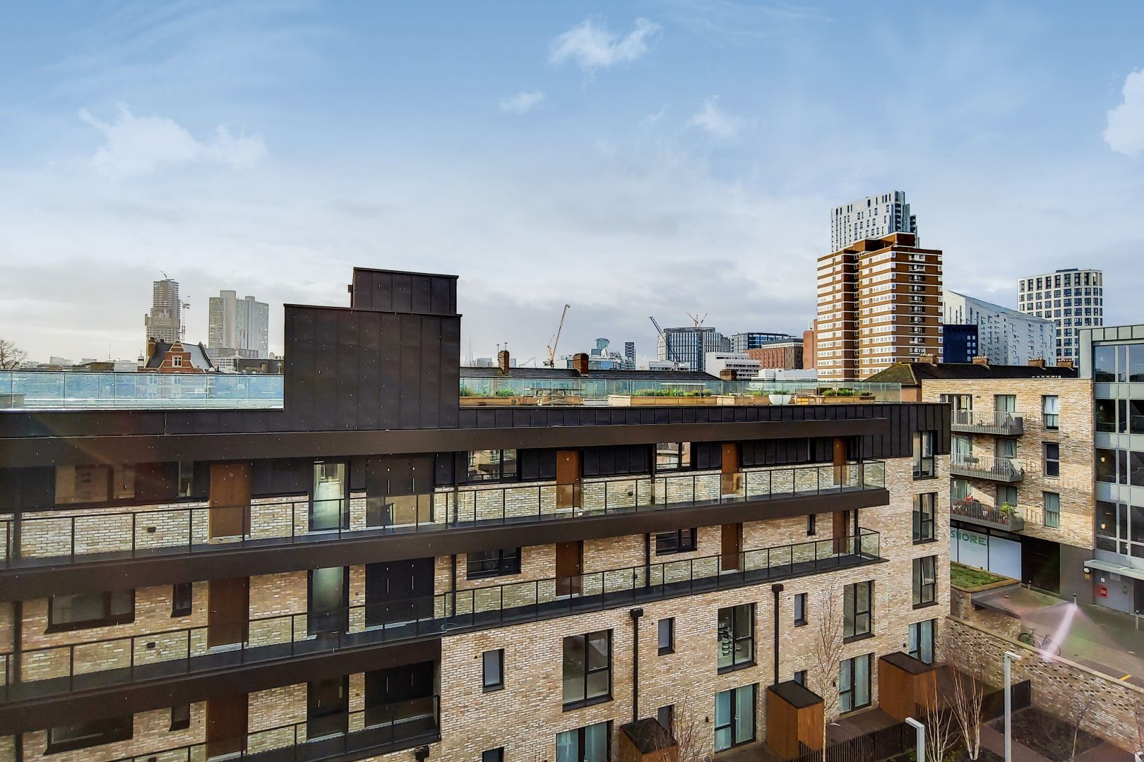 1 bed flat to rent in New North Road  - Property Image 3