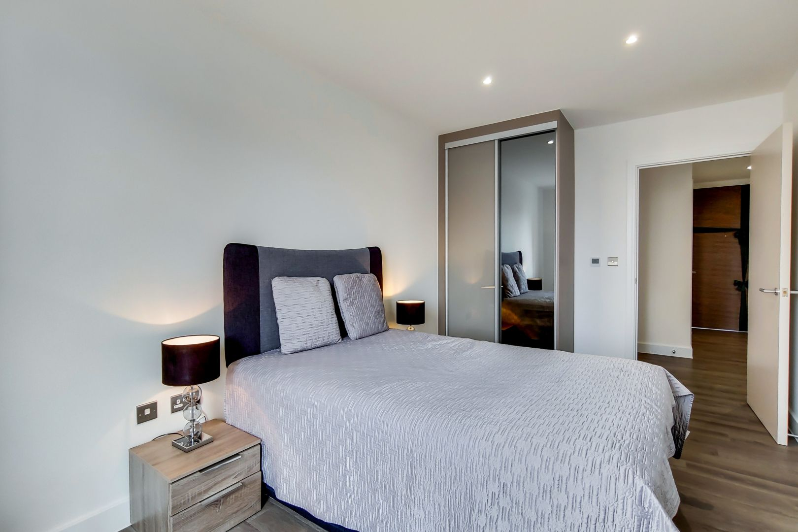 1 bed flat to rent in New North Road  - Property Image 8