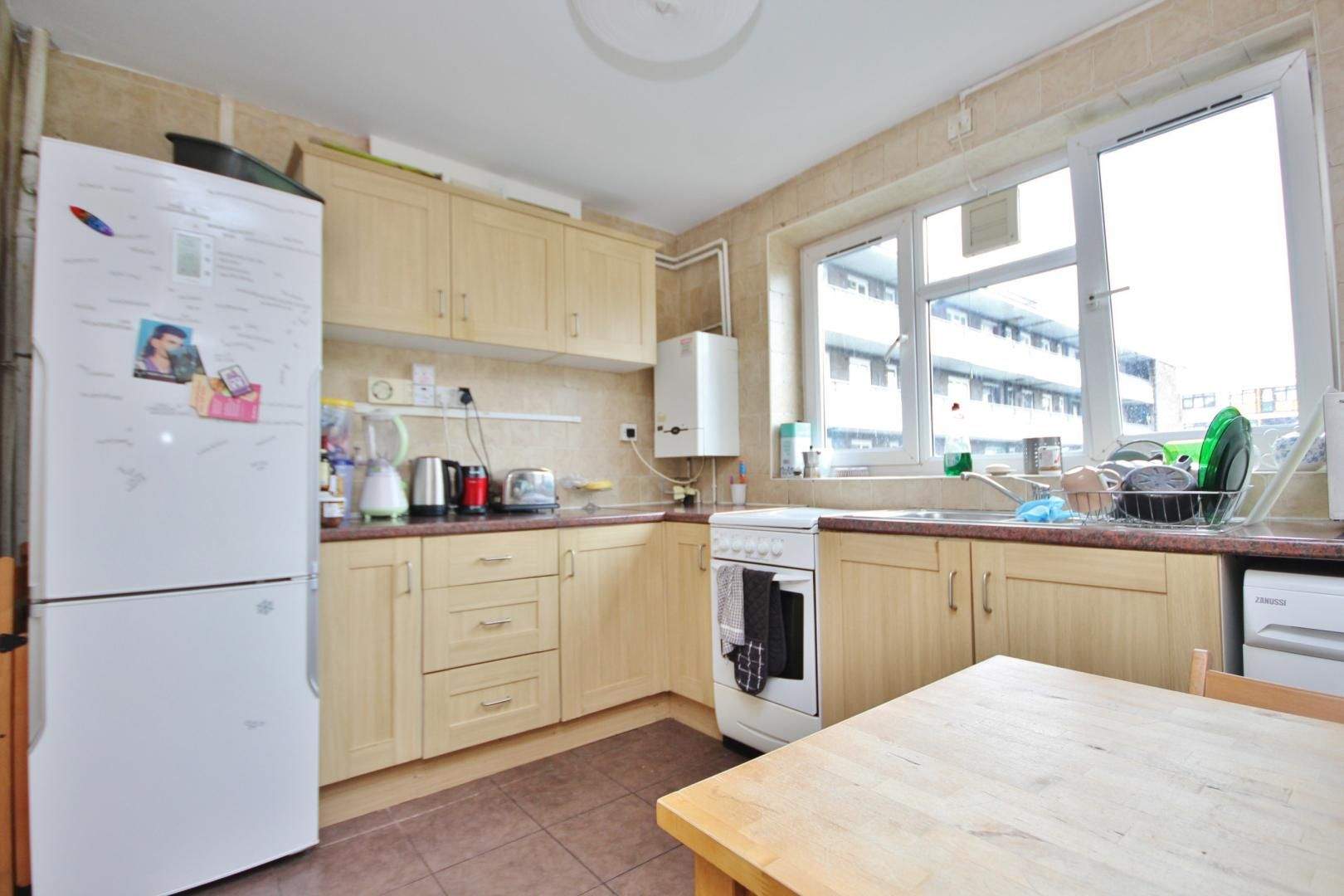 4 bed flat for sale in Malcolm House, N1