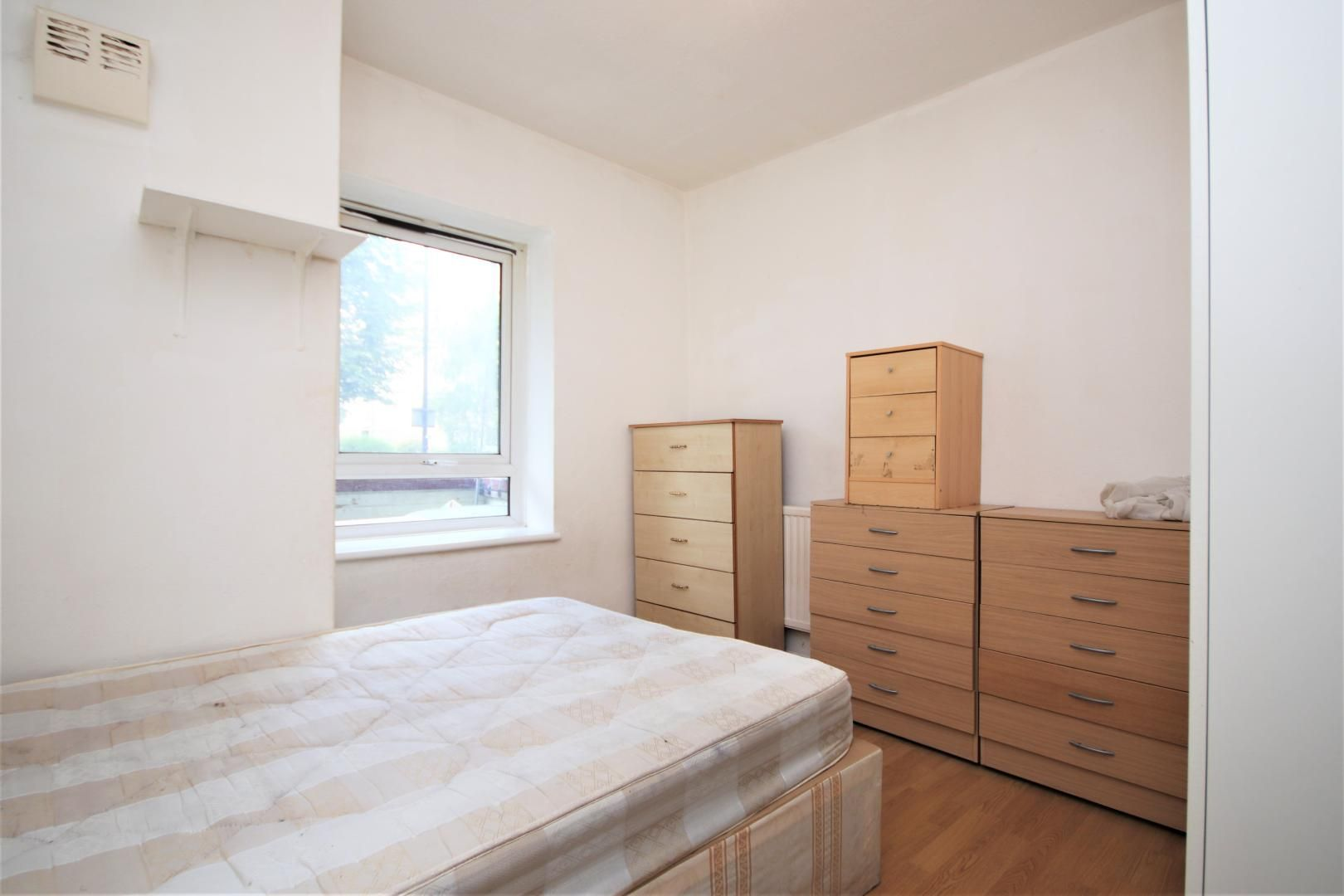 3 bed flat for sale in Meyrick House  - Property Image 5