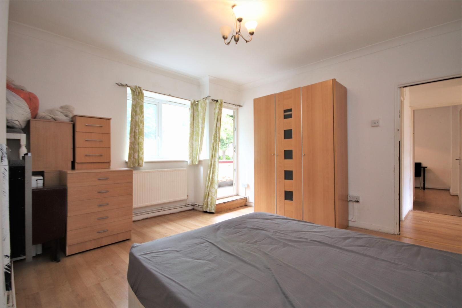 3 bed flat for sale in Meyrick House  - Property Image 6