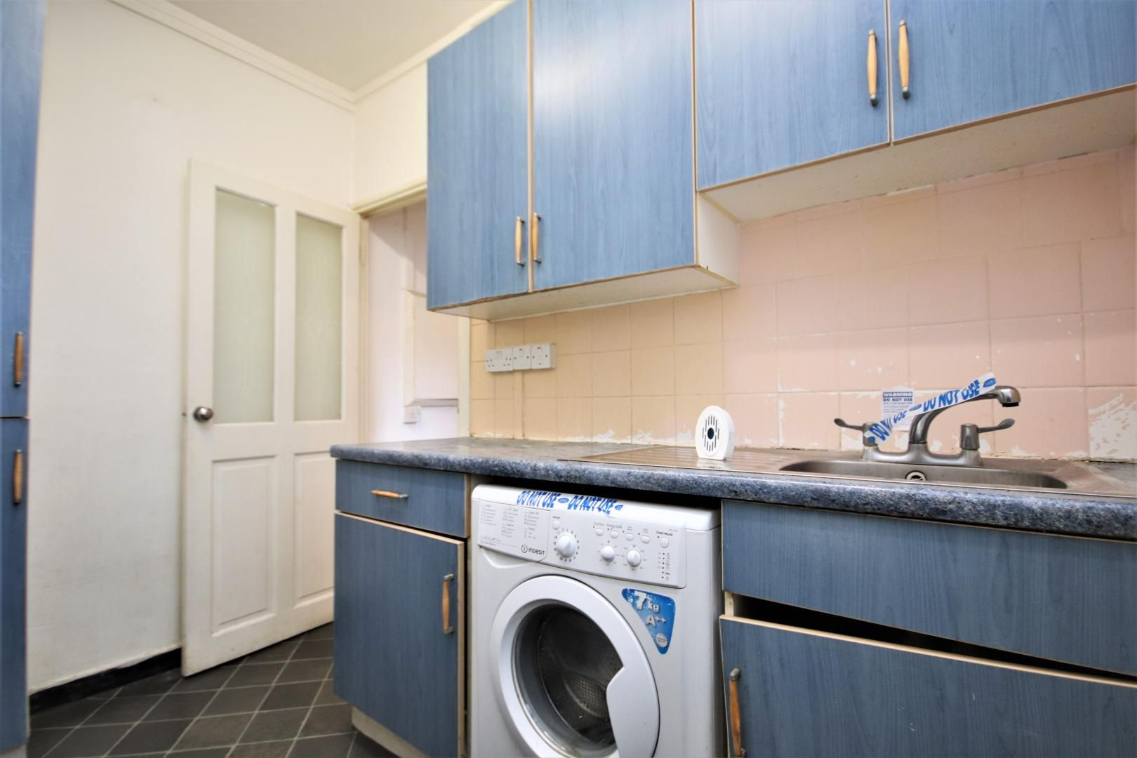 3 bed flat for sale in Meyrick House  - Property Image 9