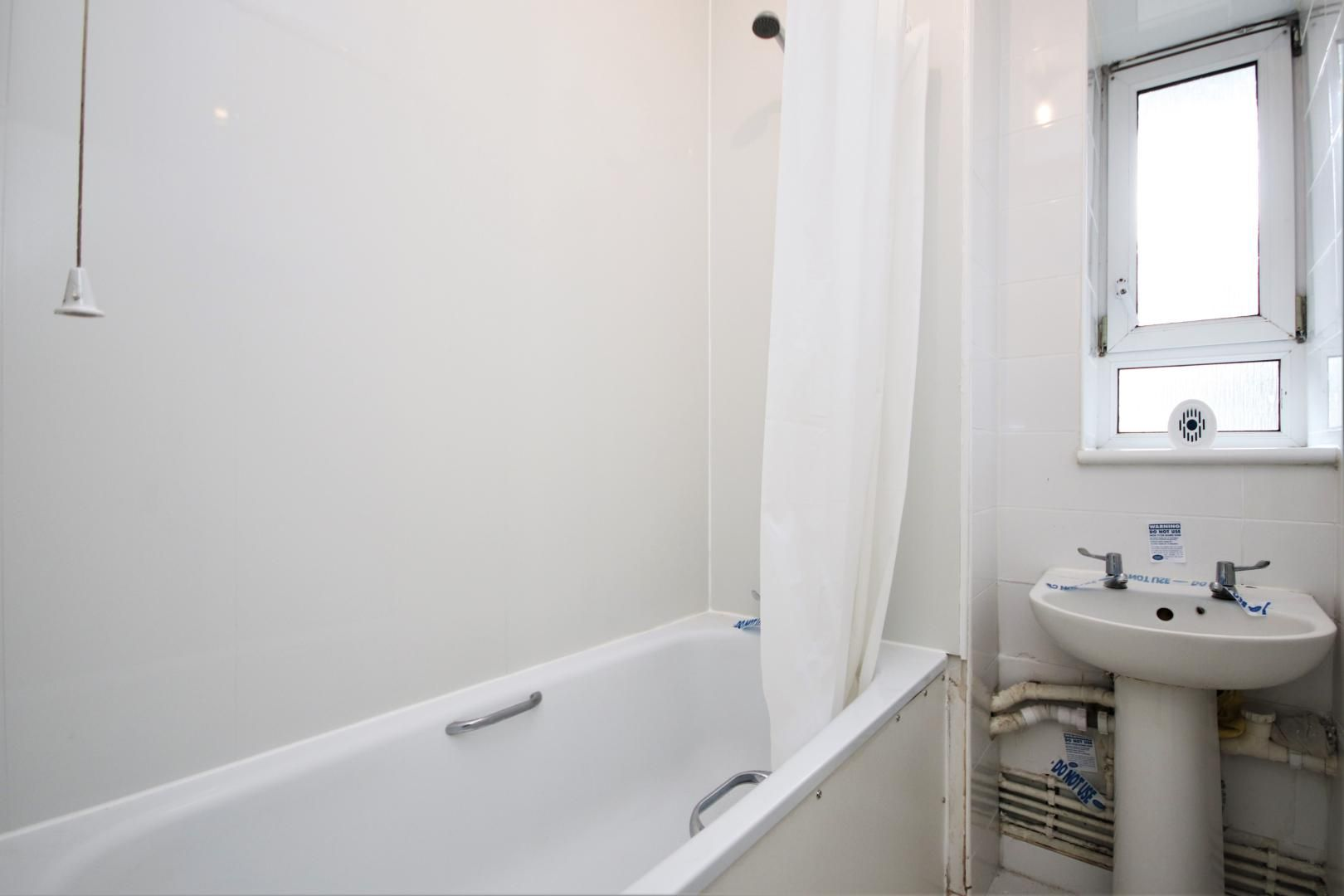 3 bed flat for sale in Meyrick House  - Property Image 10