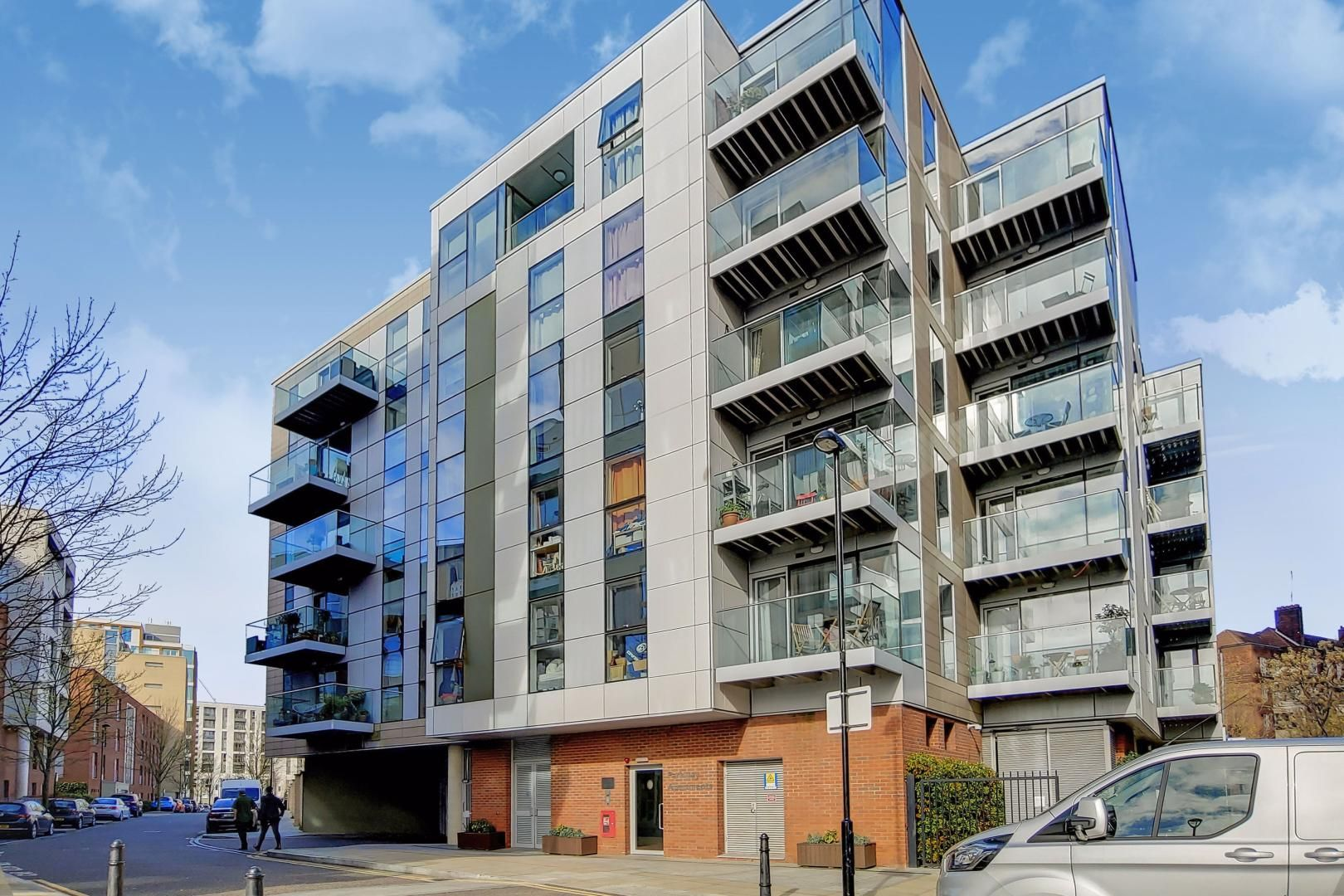 3 bed flat to rent in Goodchild Road - Property Image 1