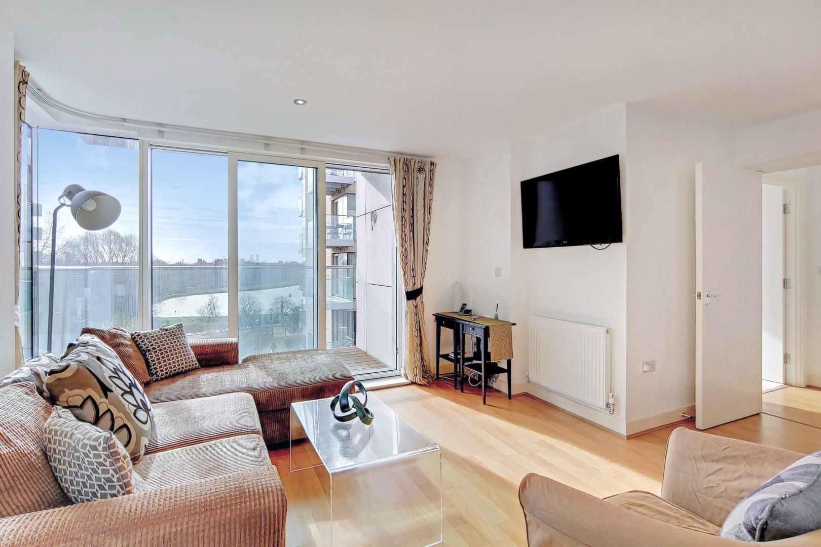 3 bed flat to rent in Goodchild Road  - Property Image 4
