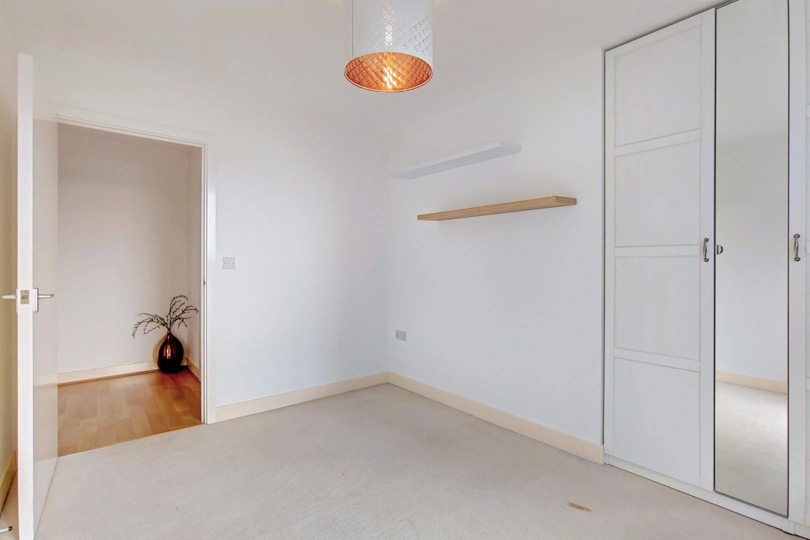 3 bed flat to rent in Goodchild Road  - Property Image 6