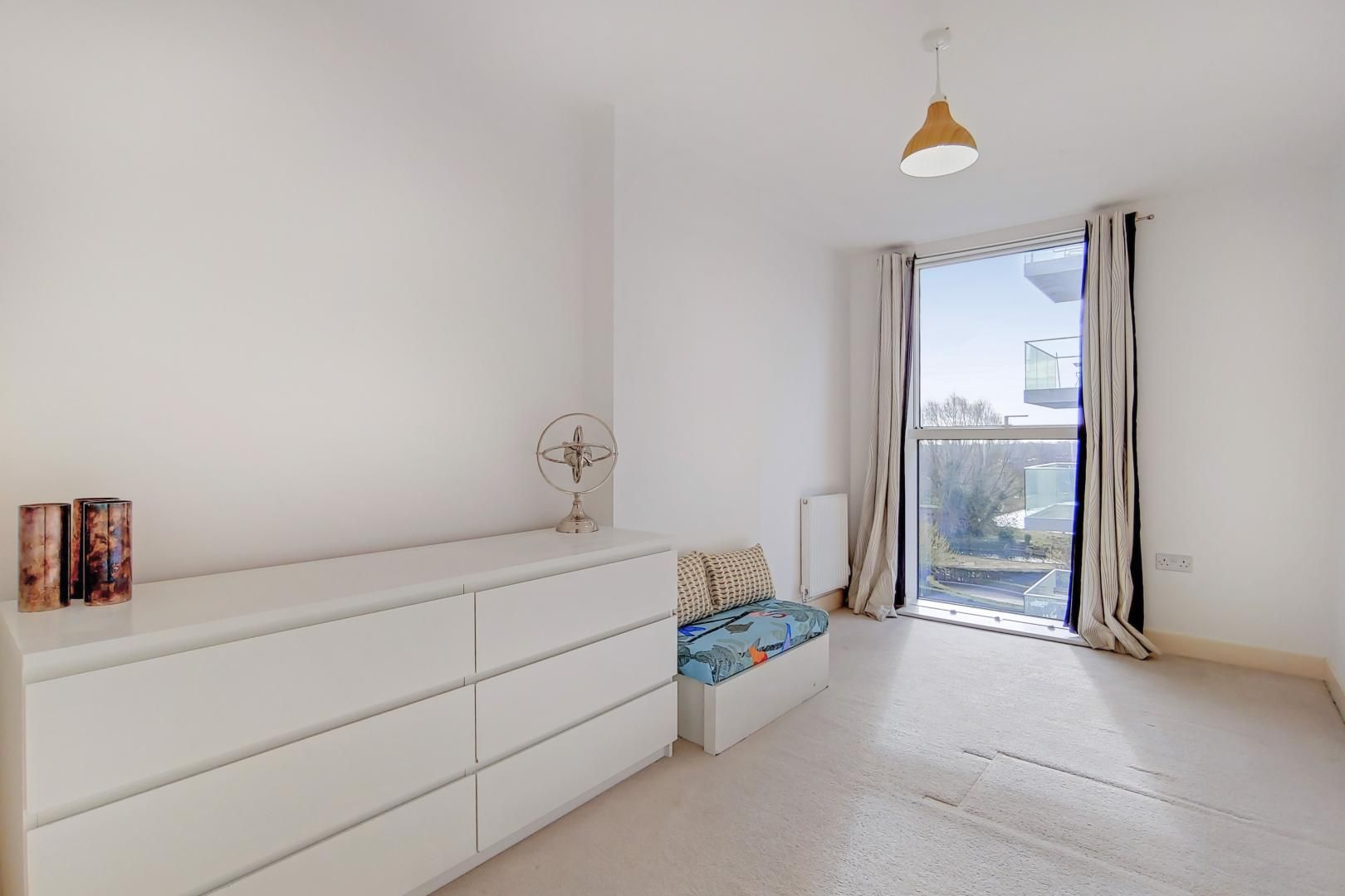 3 bed flat to rent in Goodchild Road  - Property Image 9