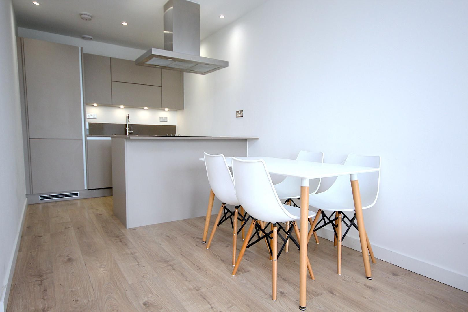 1 bed flat to rent in Great Eastern Road  - Property Image 5