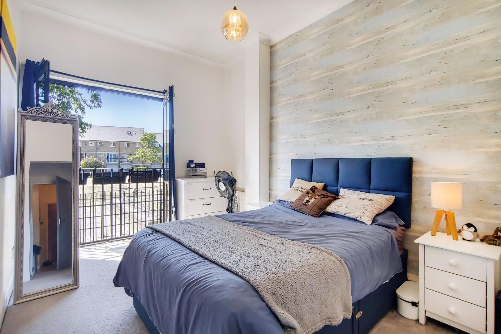 1 bed flat for sale in Slipway House  - Property Image 5