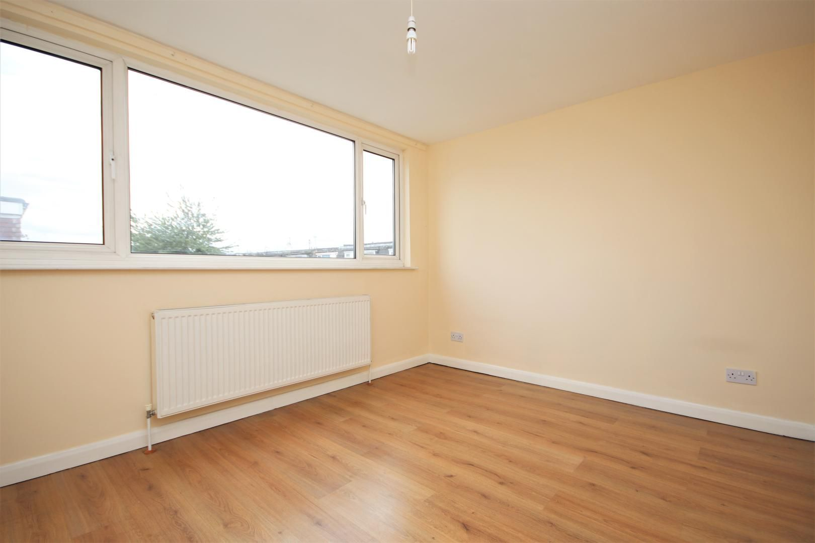 5 bed house to rent in Croombs Road  - Property Image 7