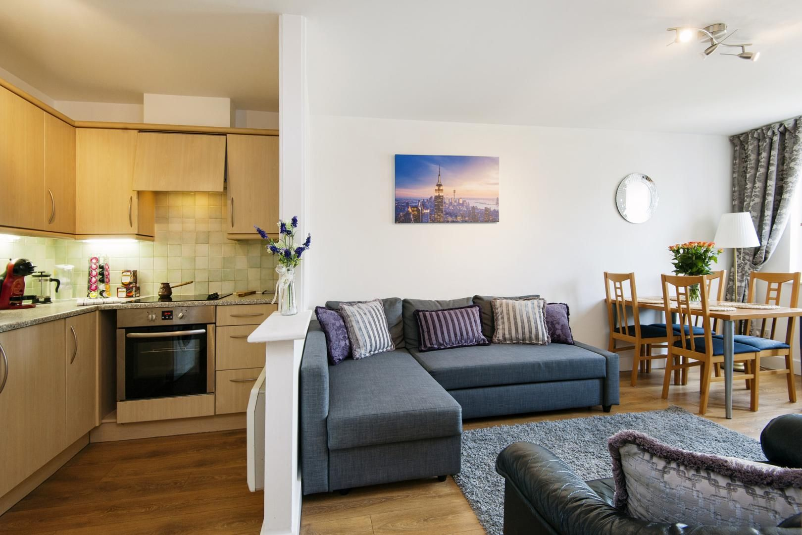 2 bed flat to rent in Skyline Plaza, E1