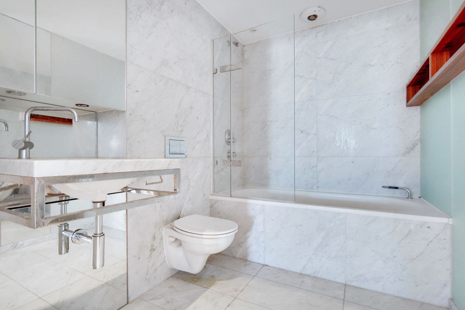 2 bed flat for sale in Ontario Tower  - Property Image 10
