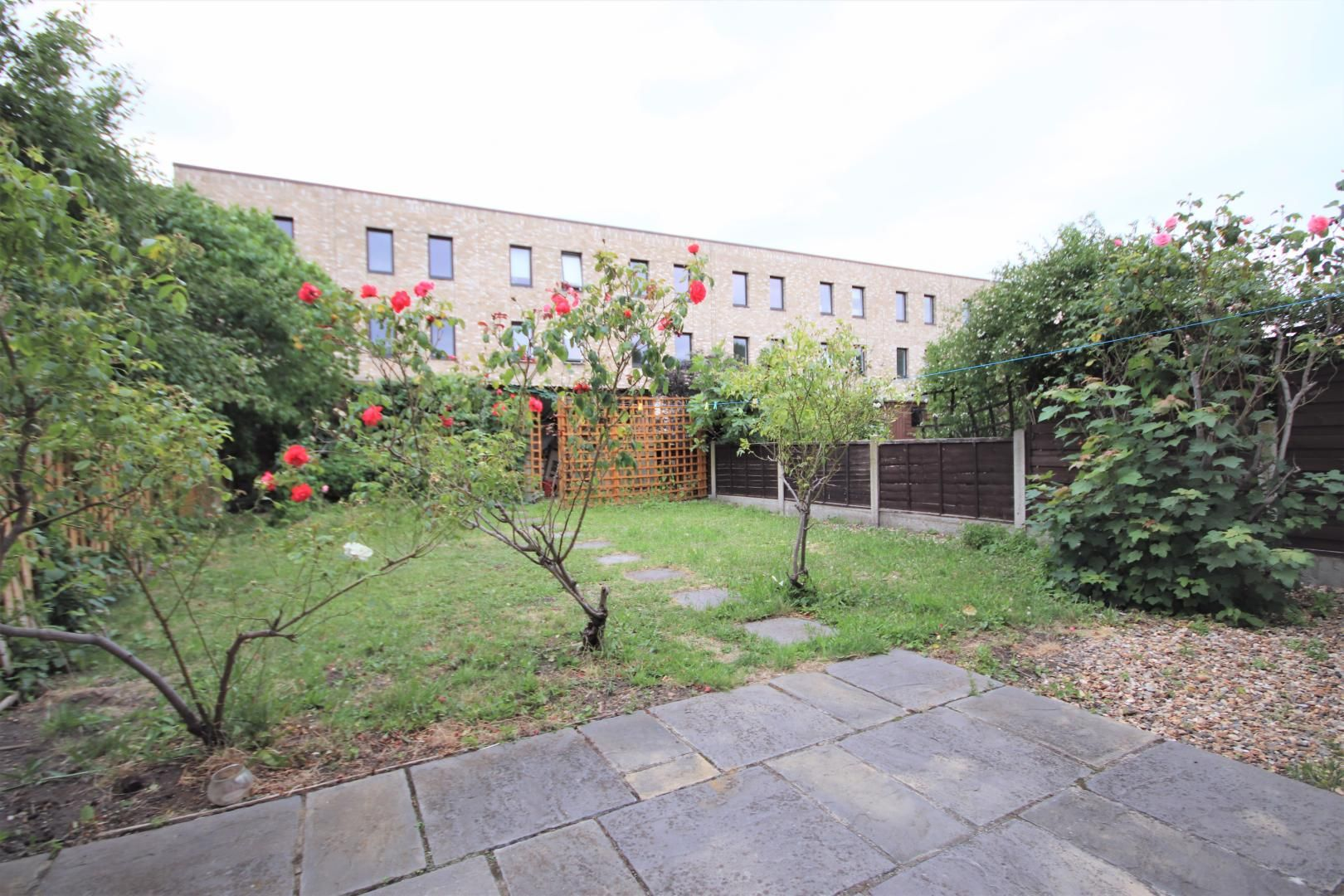4 bed house to rent in Chapel House Street, E14