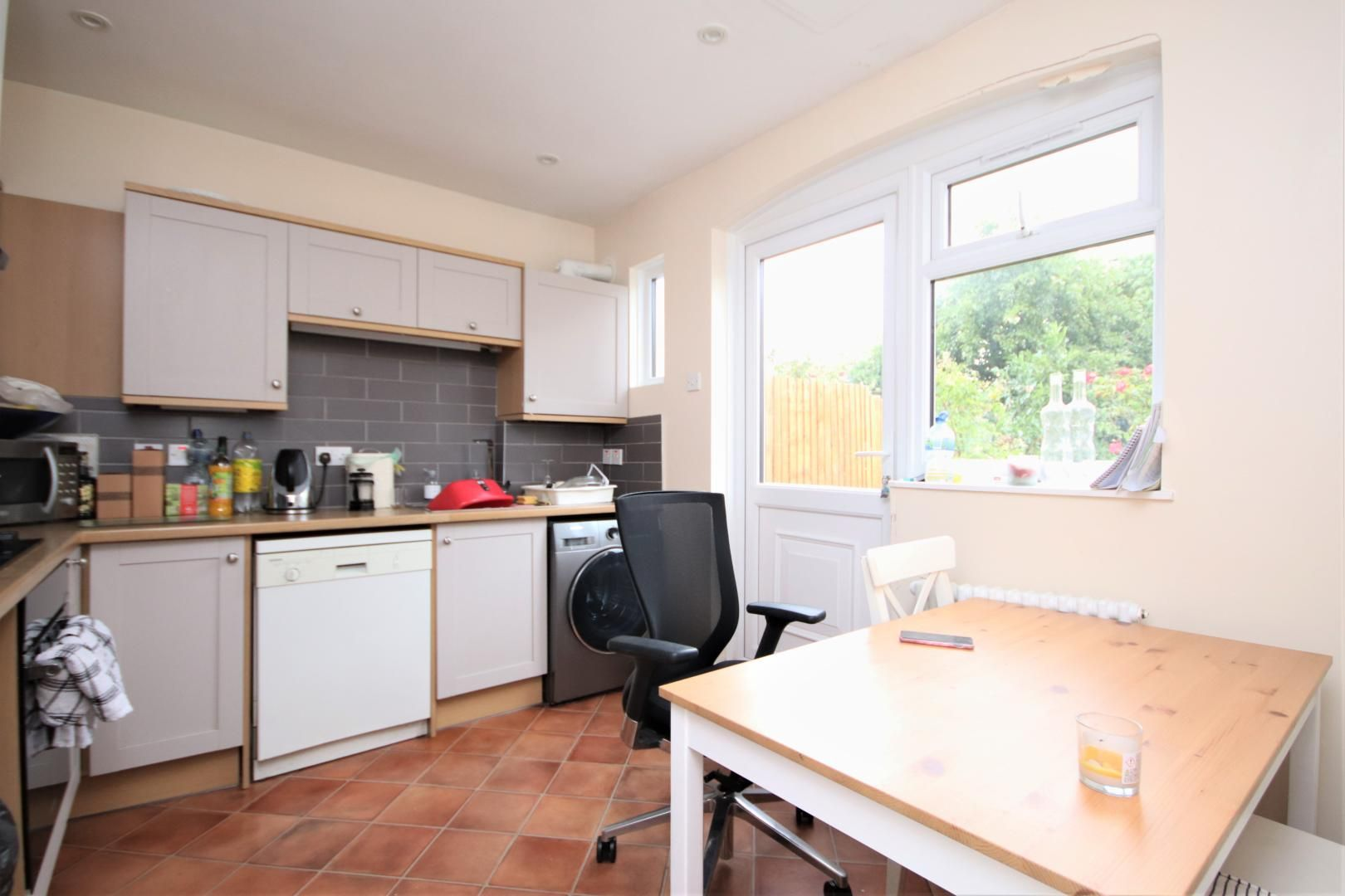 4 bed house to rent in Chapel House Street  - Property Image 2