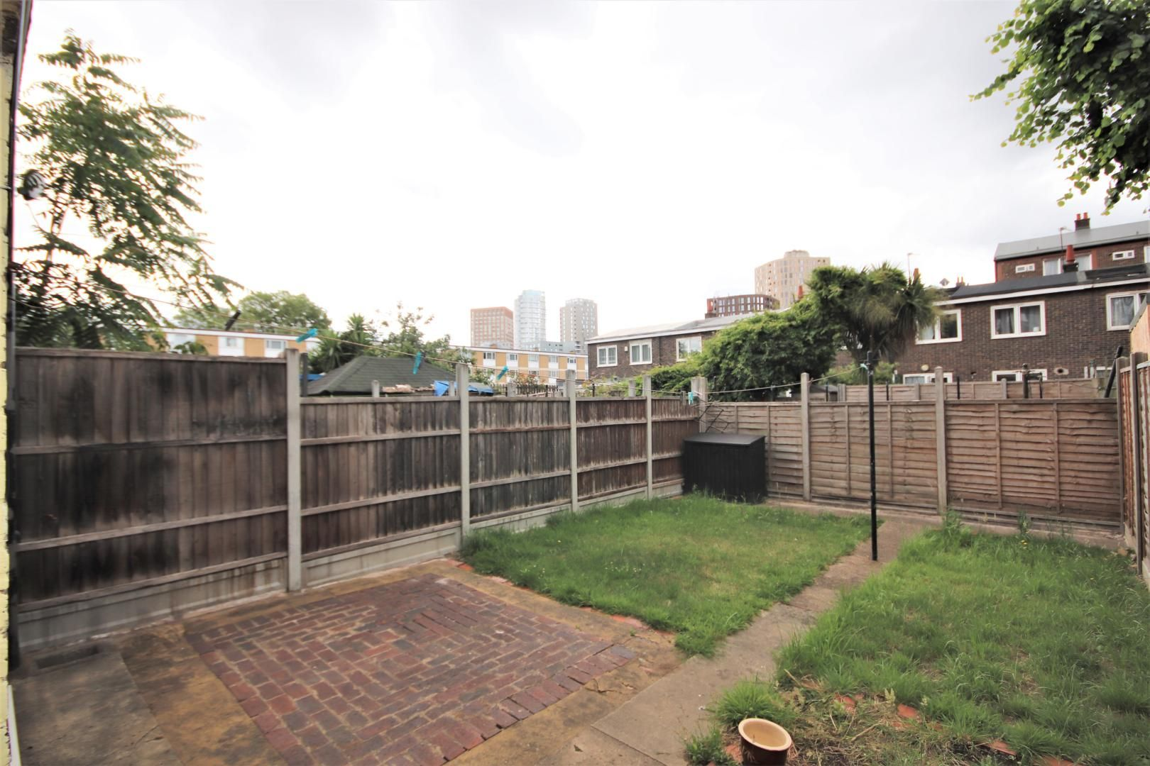 4 bed house for sale in Woodall Close, E14