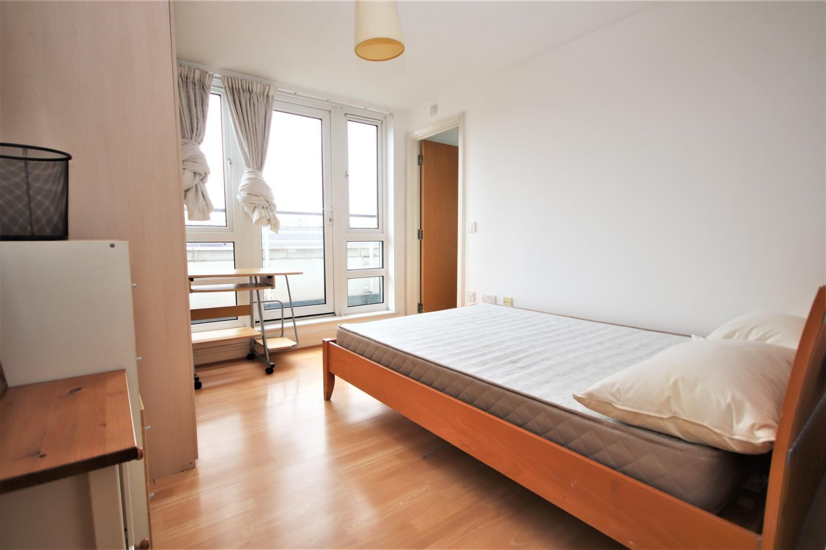 3 bed flat to rent in Hamilton House  - Property Image 6