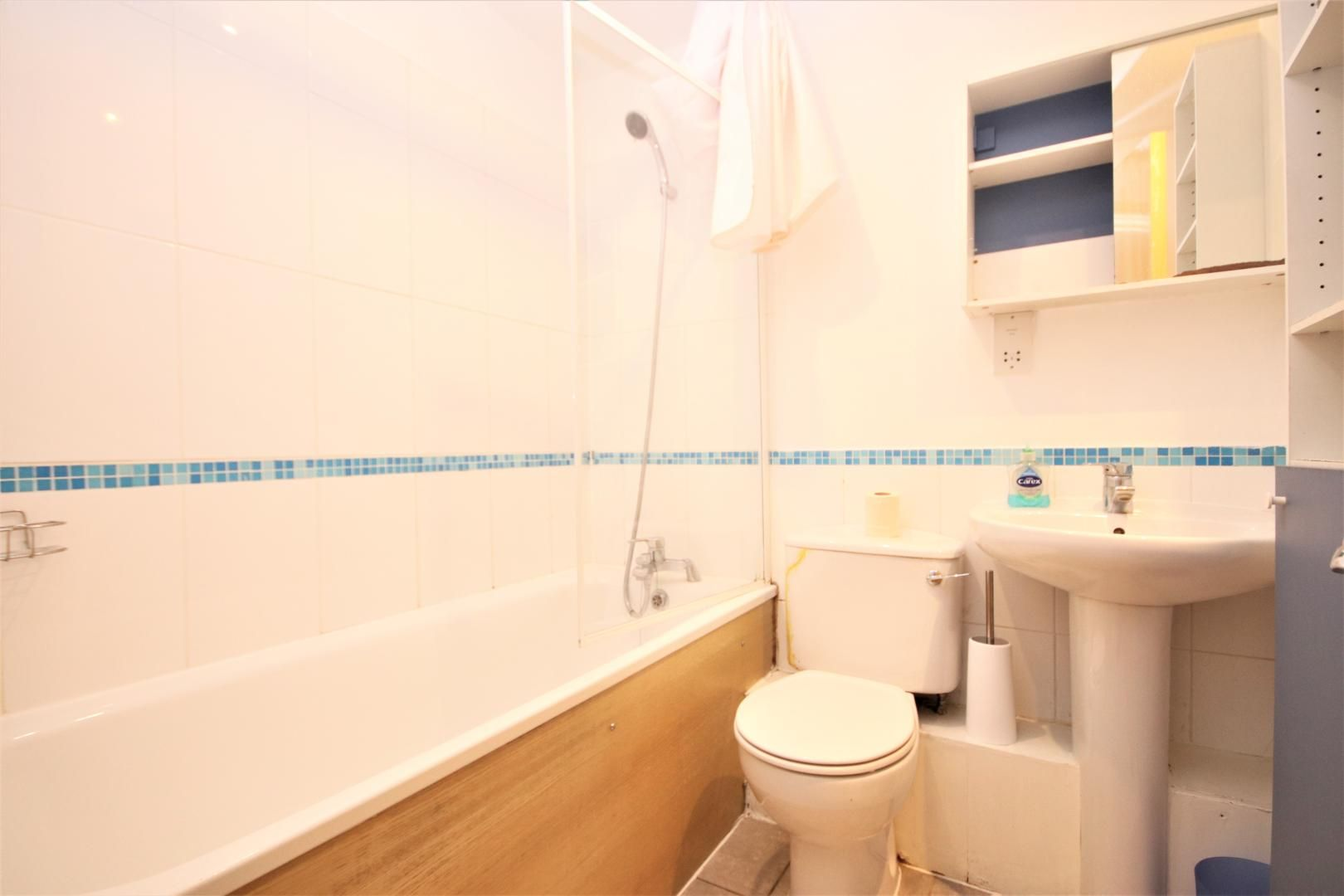 3 bed flat to rent in Hamilton House  - Property Image 10