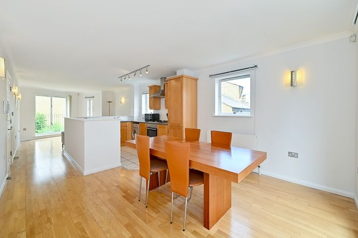 2 bed flat for sale in Armoury House, E3