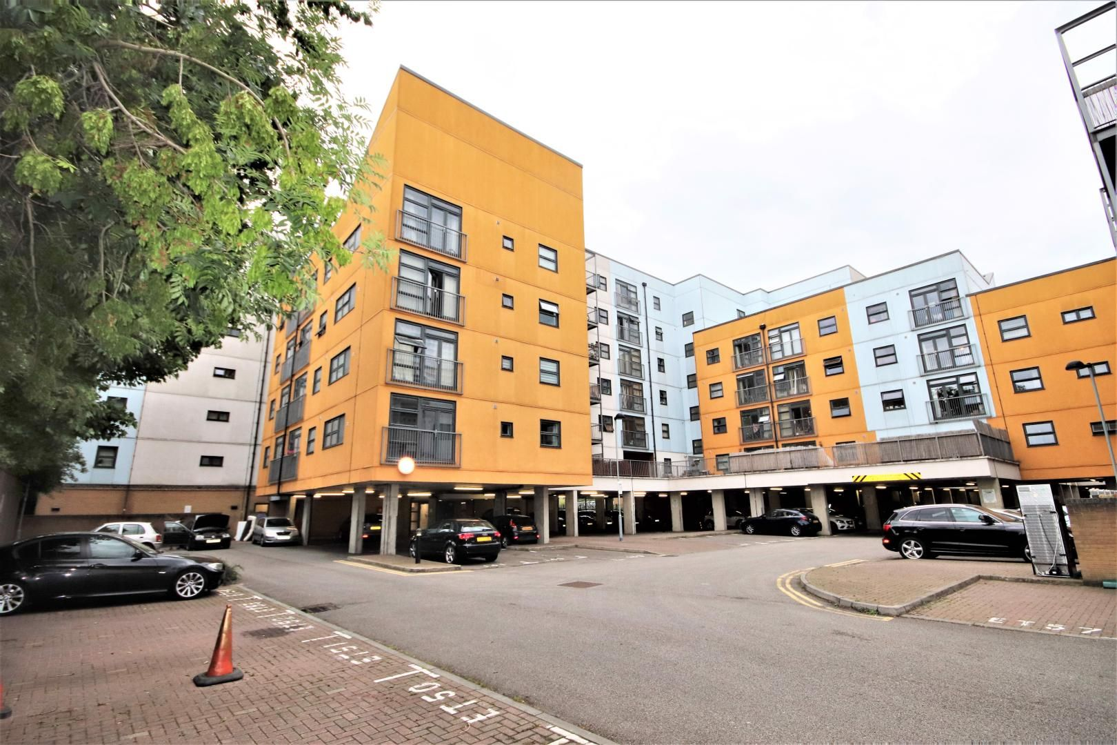 1 bed flat to rent in Maltings Close, E3