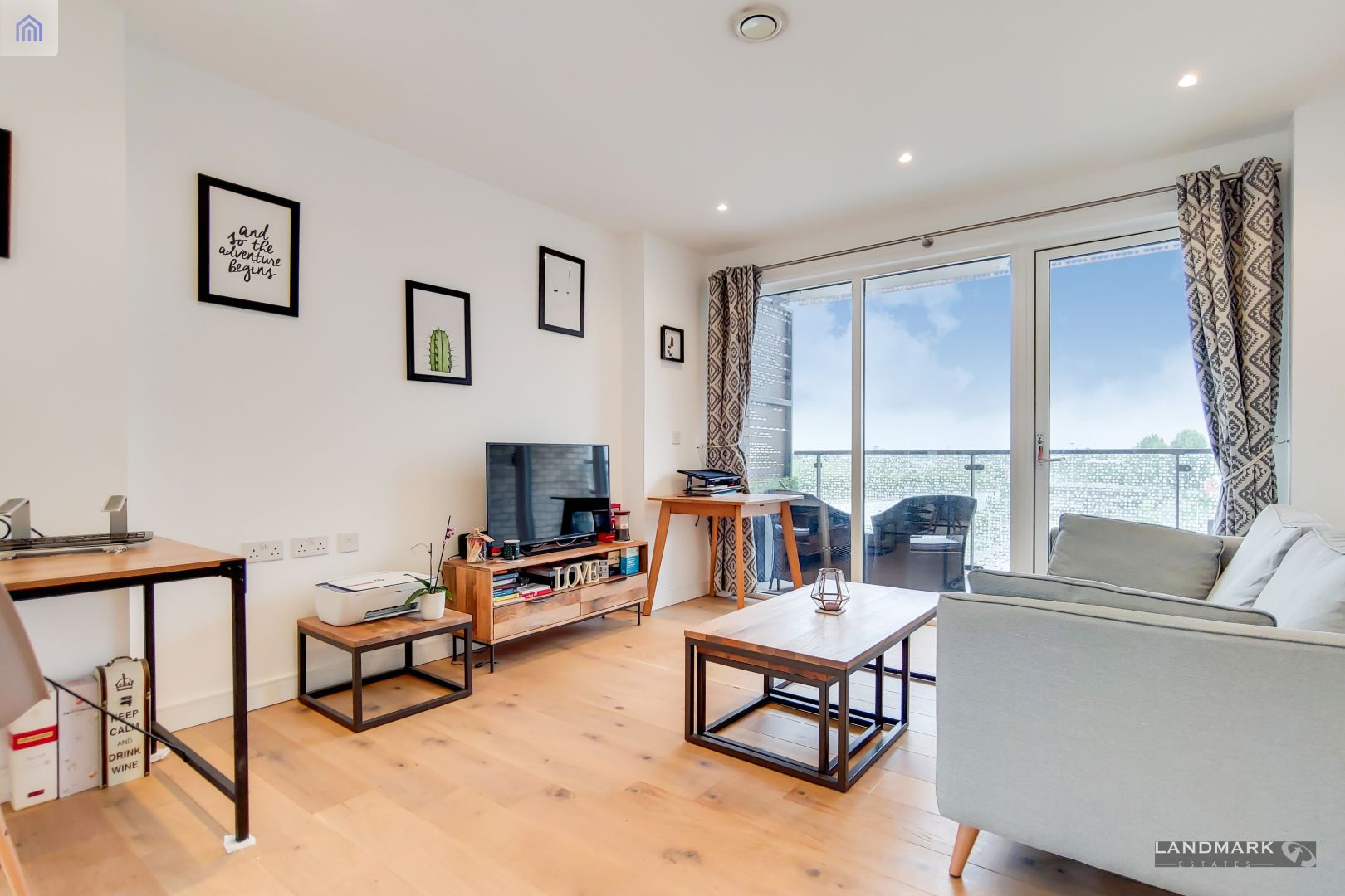 1 bed flat for sale in Mogul Building  - Property Image 2