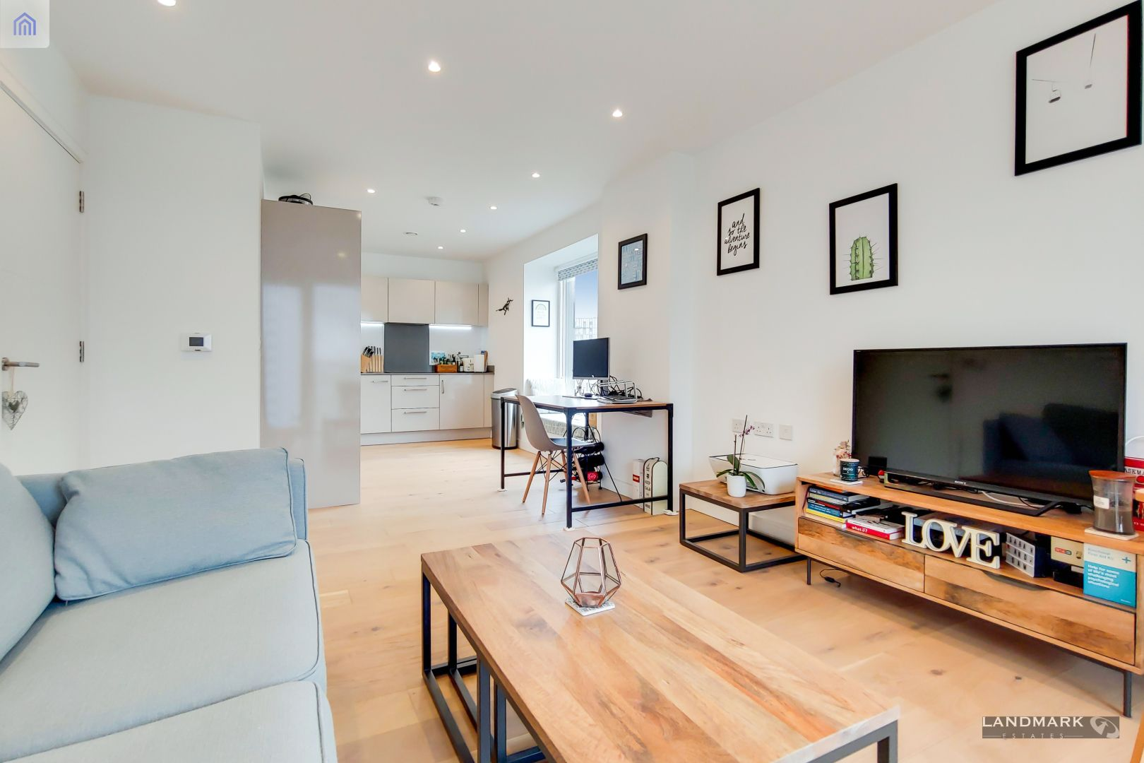1 bed flat for sale in Mogul Building  - Property Image 3