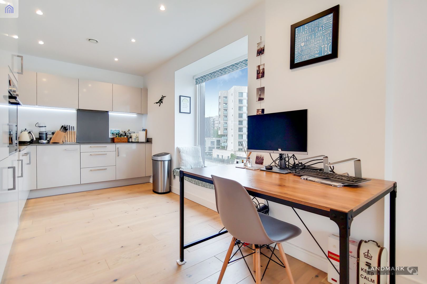 1 bed flat for sale in Mogul Building  - Property Image 4