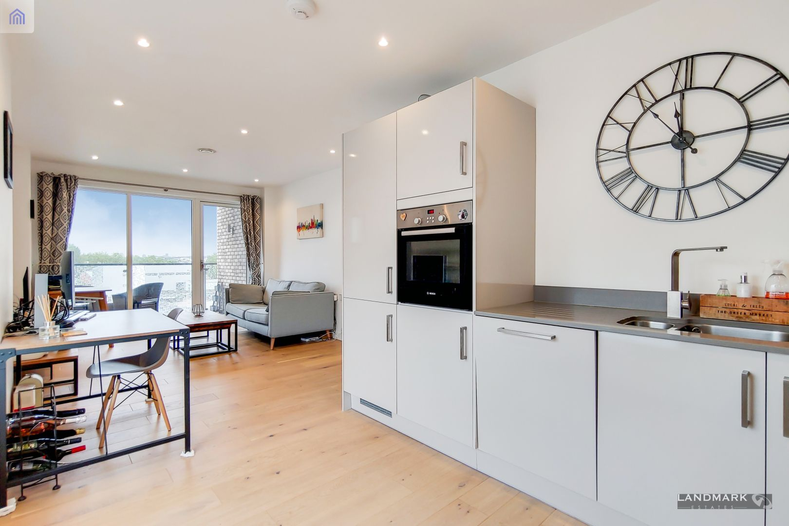 1 bed flat for sale in Mogul Building  - Property Image 6