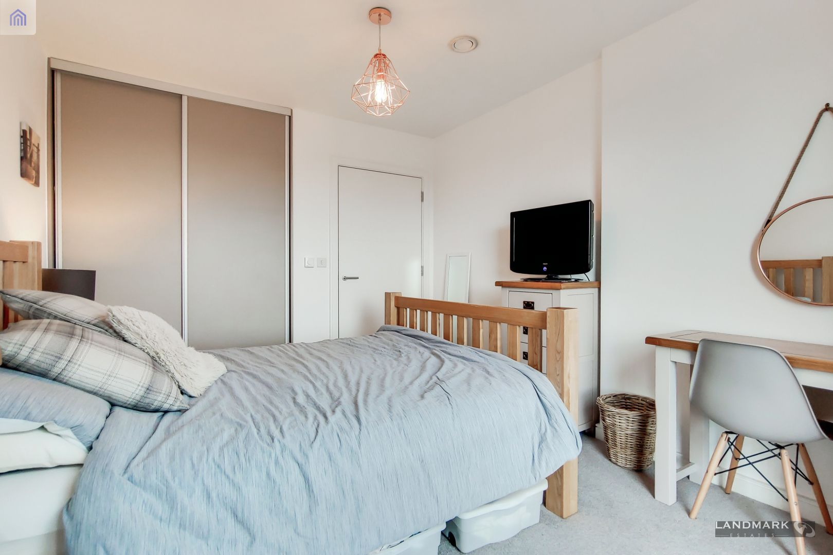 1 bed flat for sale in Mogul Building  - Property Image 8