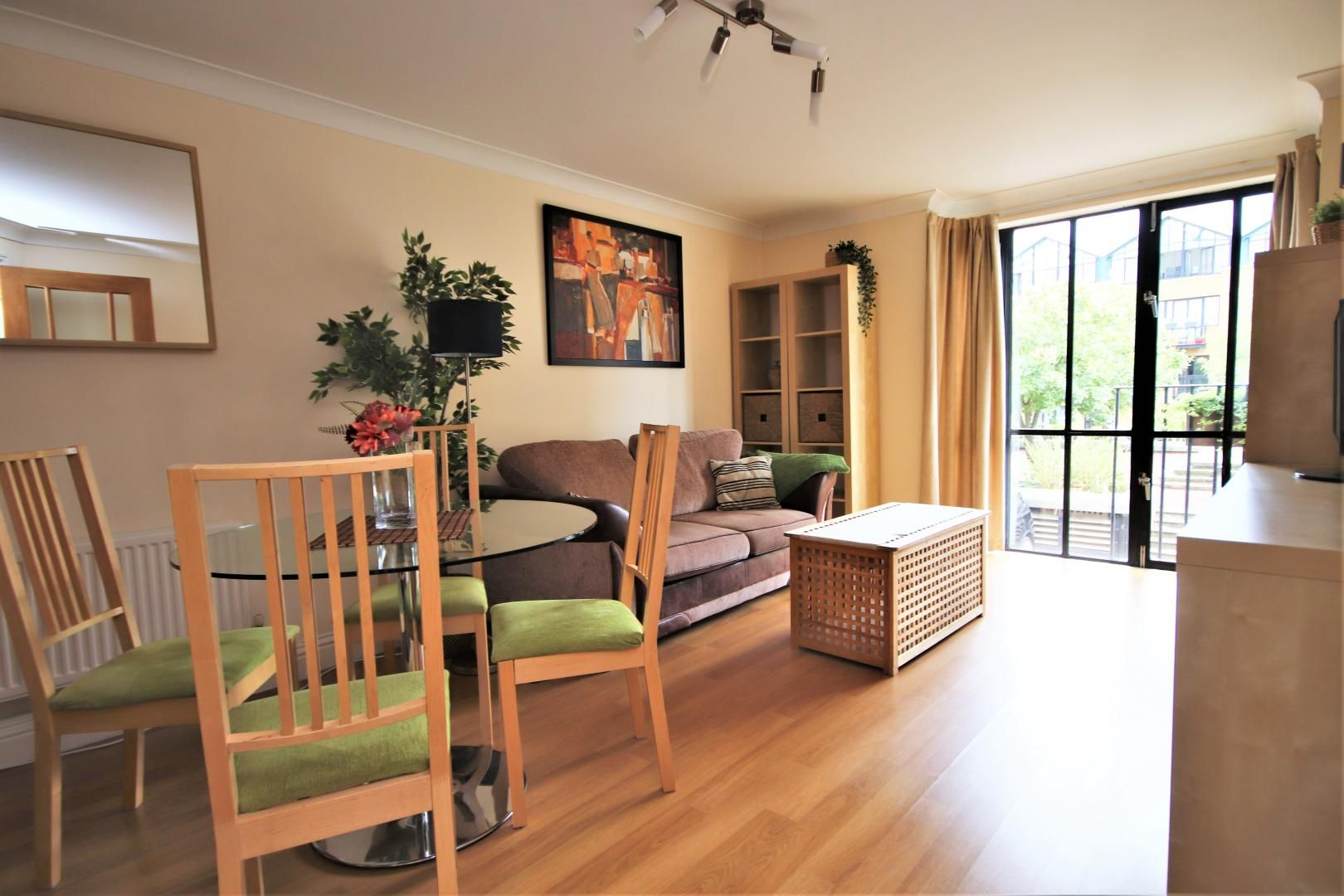 1 bed flat to rent in Taffrail House  - Property Image 1