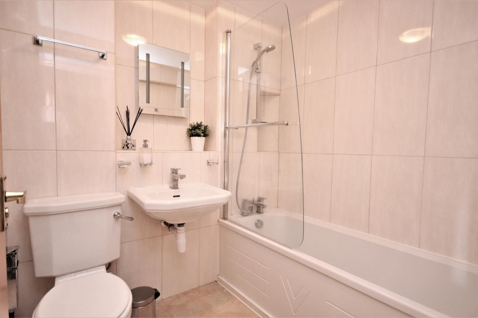 1 bed flat to rent in Taffrail House  - Property Image 4