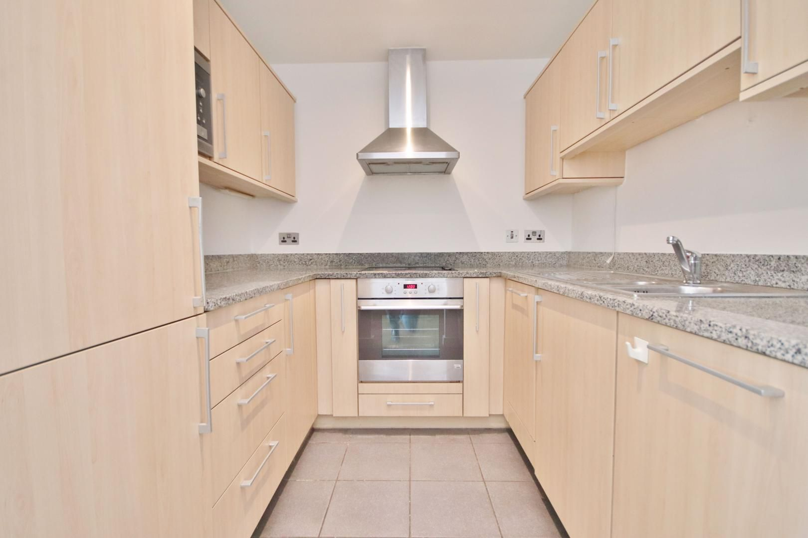 2 bed flat to rent in Westgate Apartments  - Property Image 2