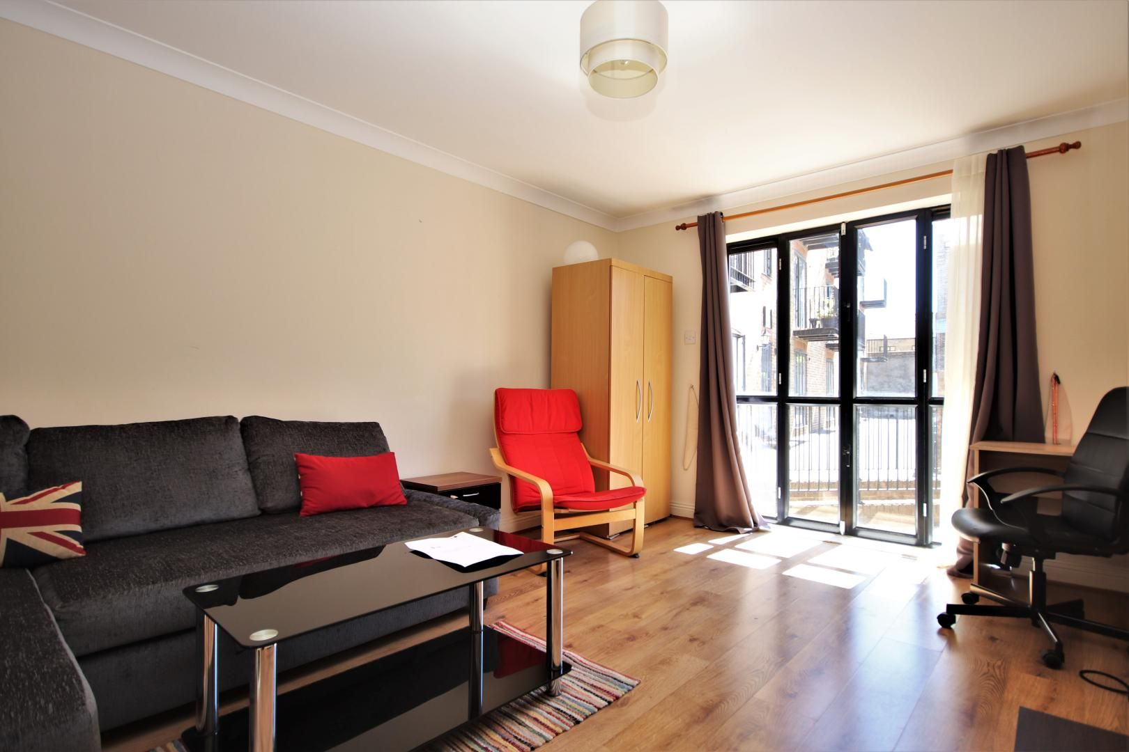 1 bed flat to rent in Brunel House, E14
