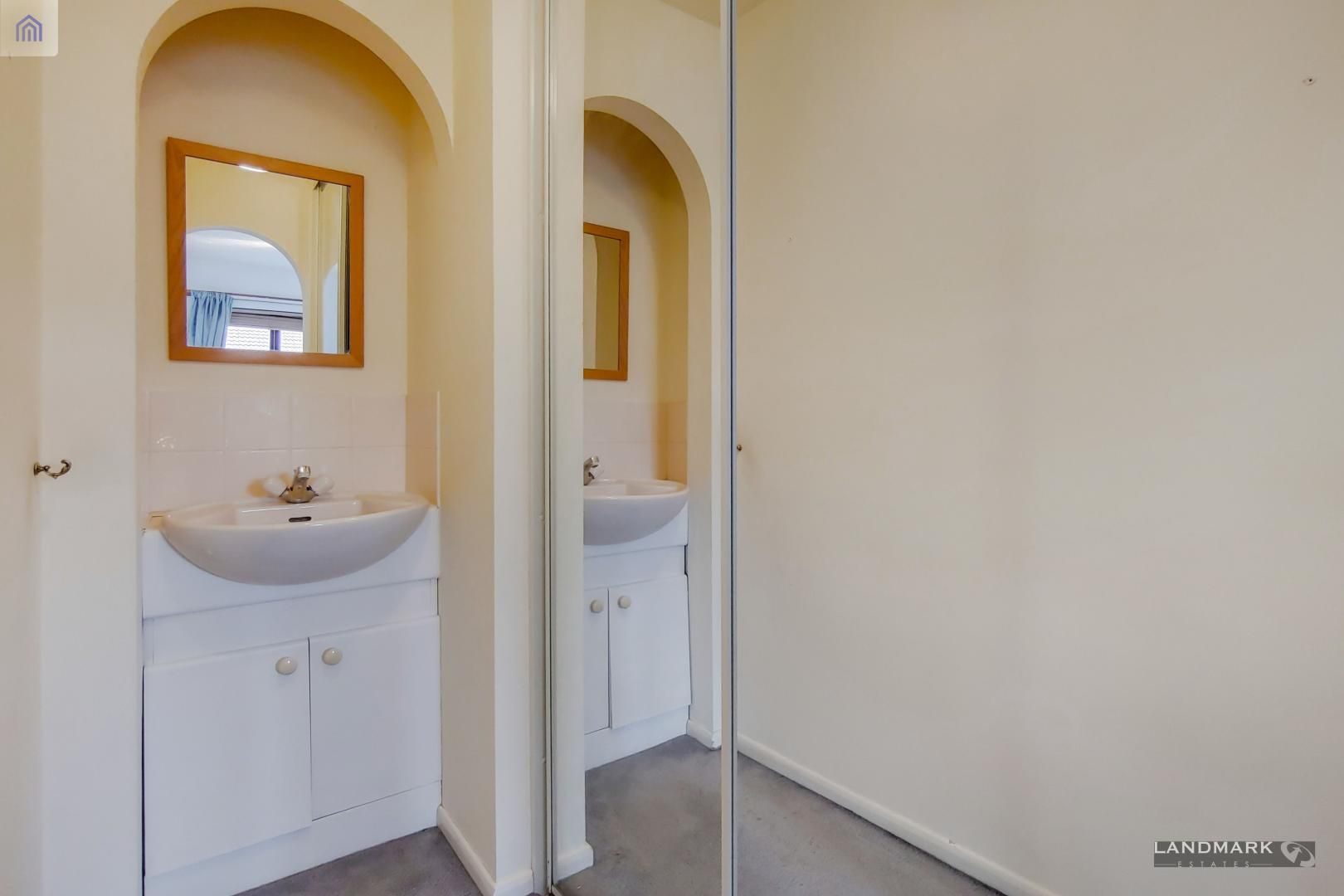 2 bed flat for sale in Tyndale Court  - Property Image 10