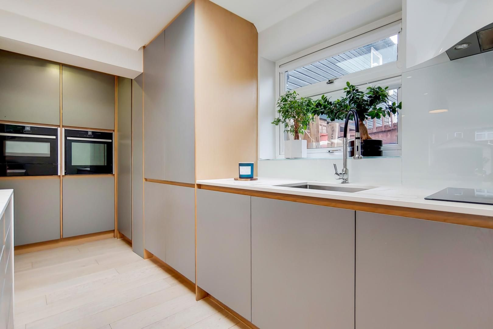 3 bed house for sale in Harper Road  - Property Image 2