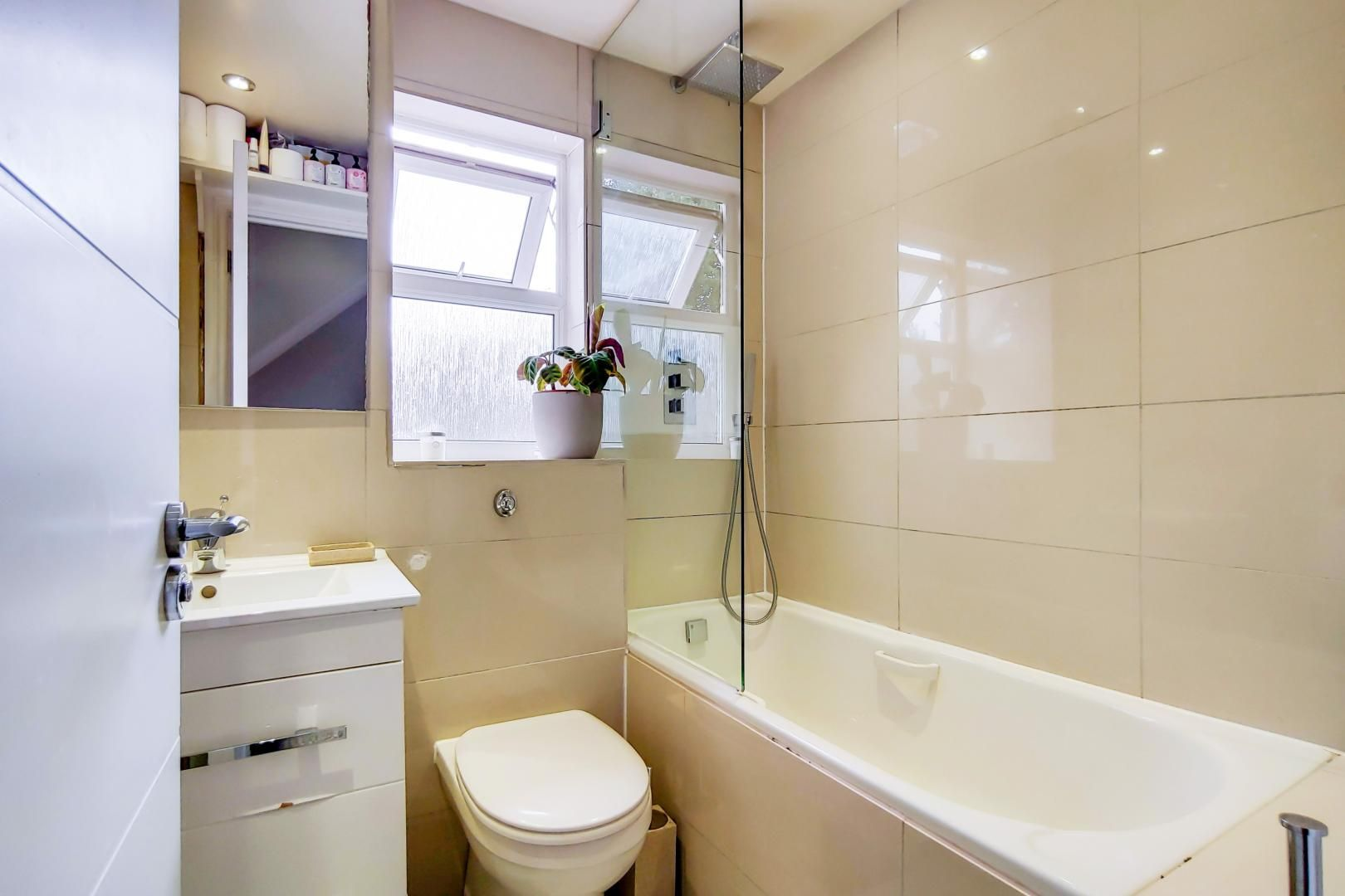 3 bed house for sale in Harper Road  - Property Image 13