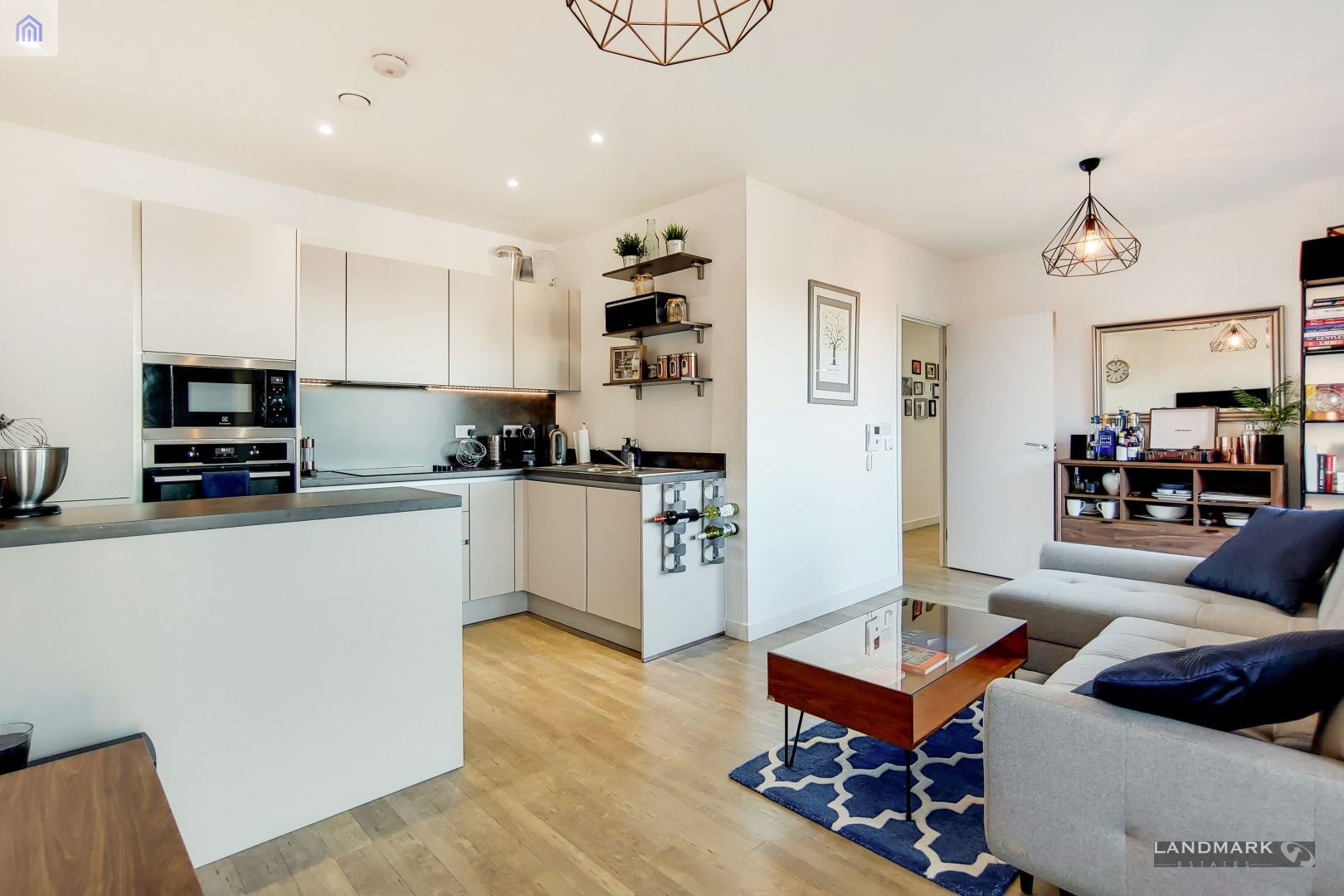 2 bed flat for sale in Nyland Court  - Property Image 3