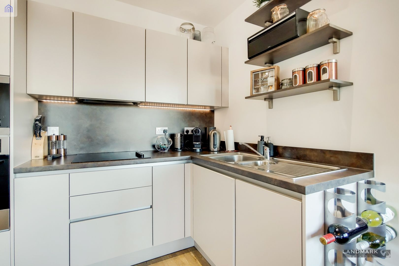 2 bed flat for sale in Nyland Court  - Property Image 4