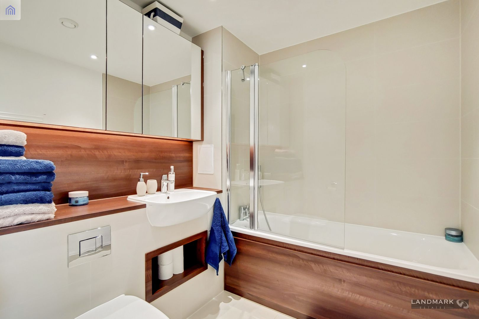 2 bed flat for sale in Nyland Court  - Property Image 10