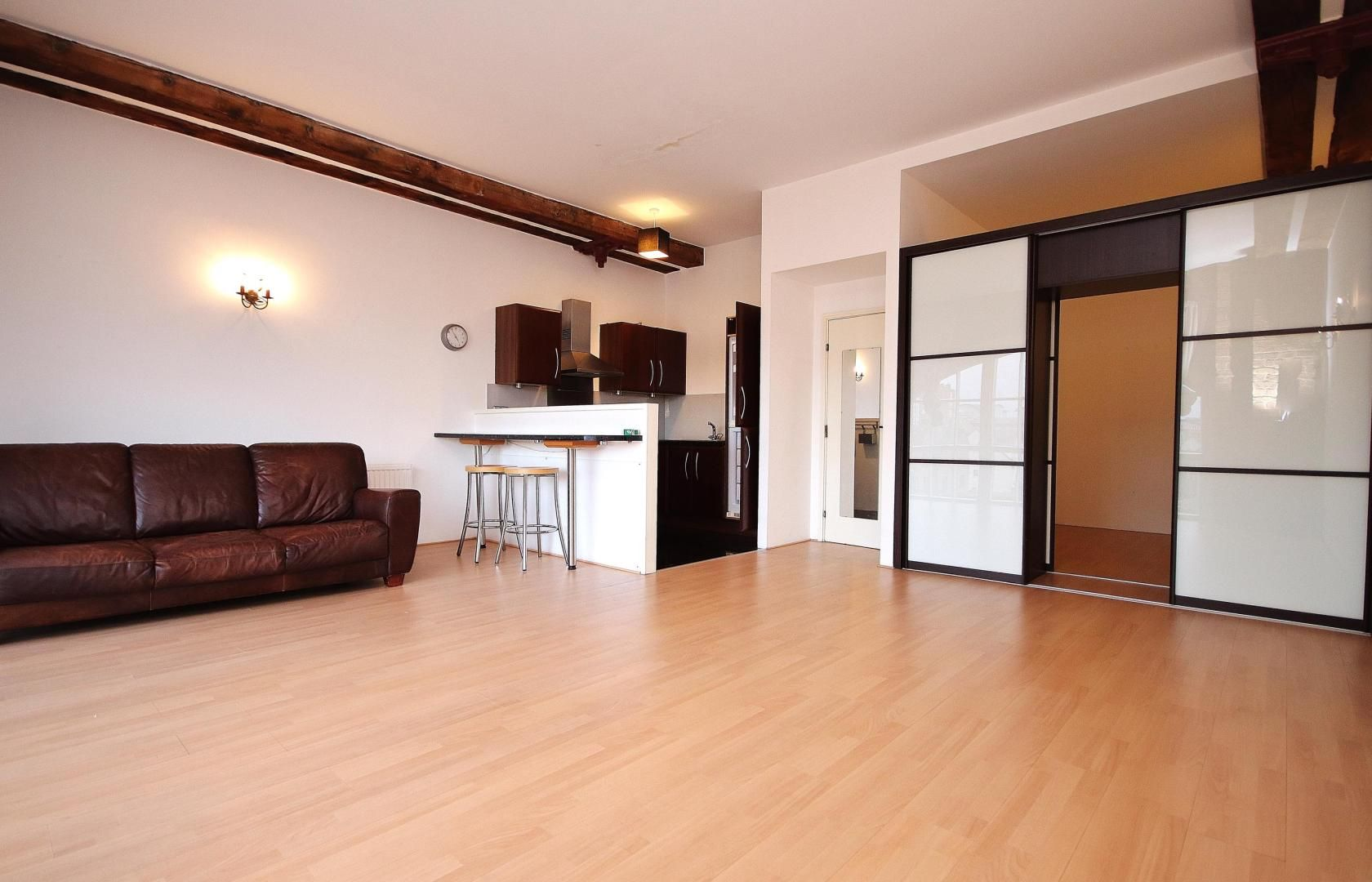 1 bed flat for sale in Plate House  - Property Image 2