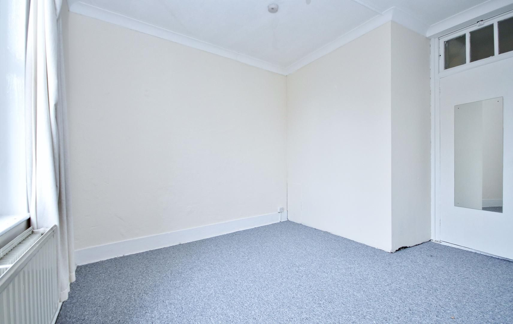 1 bed flat to rent in Dunstan House  - Property Image 3