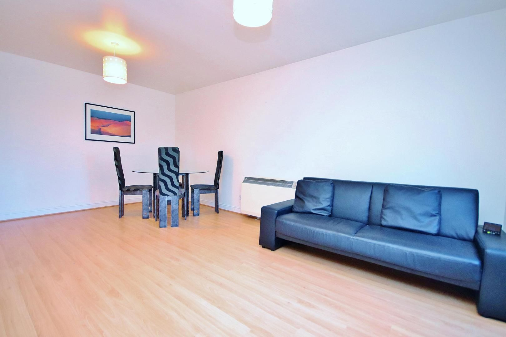 2 bed  to rent in Langbourne Place  - Property Image 3