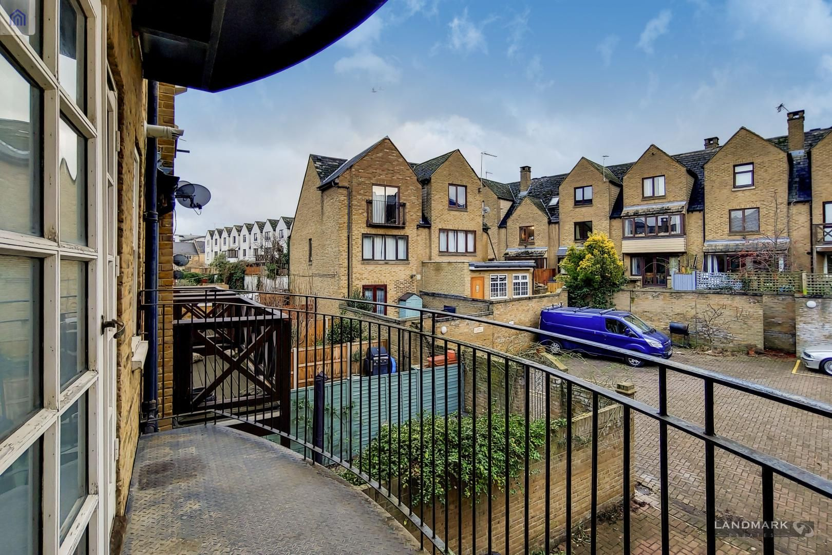 2 bed flat for sale in 270 Westferry Road, E14