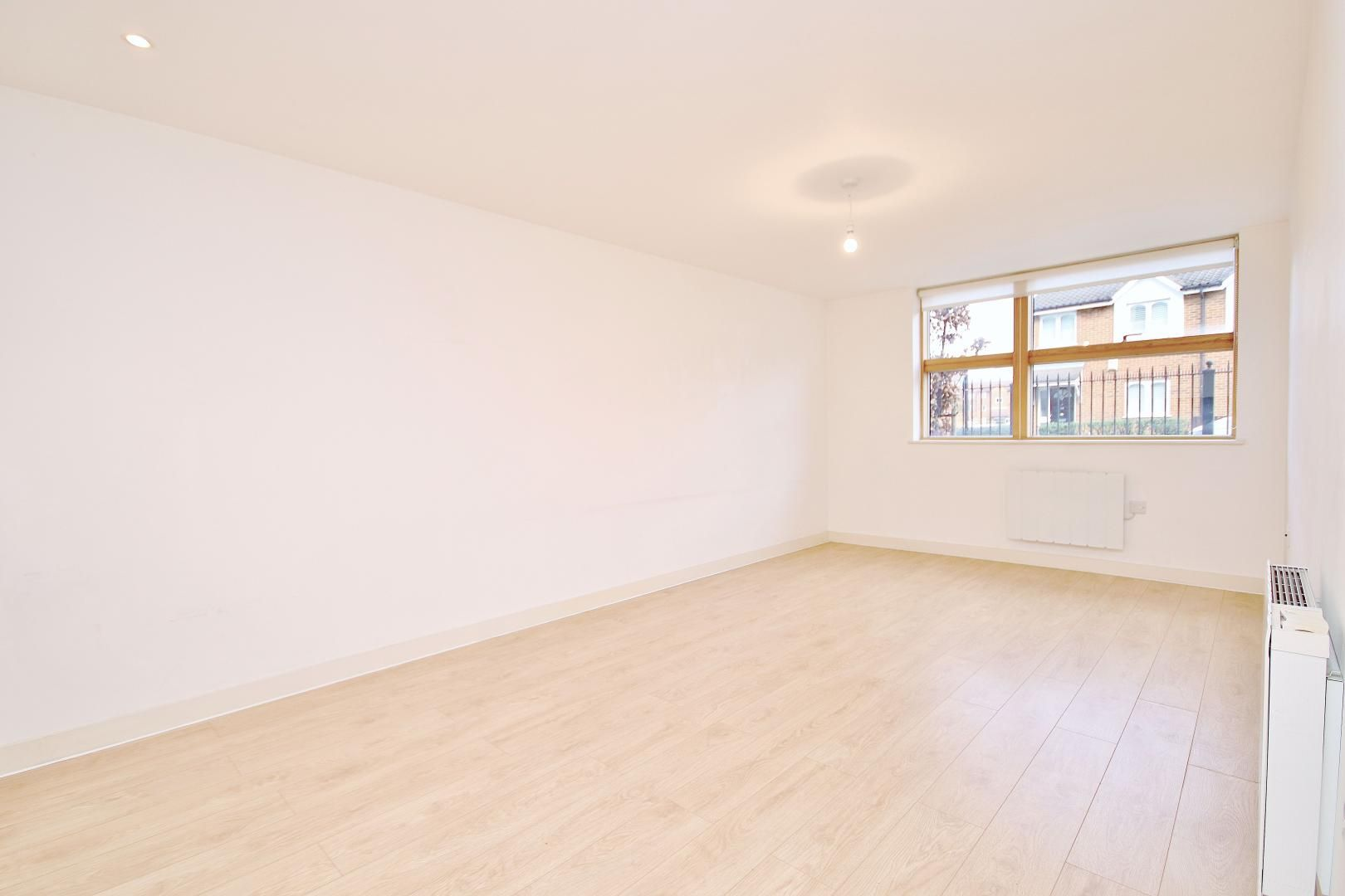 1 bed flat to rent in Vida House, SE8