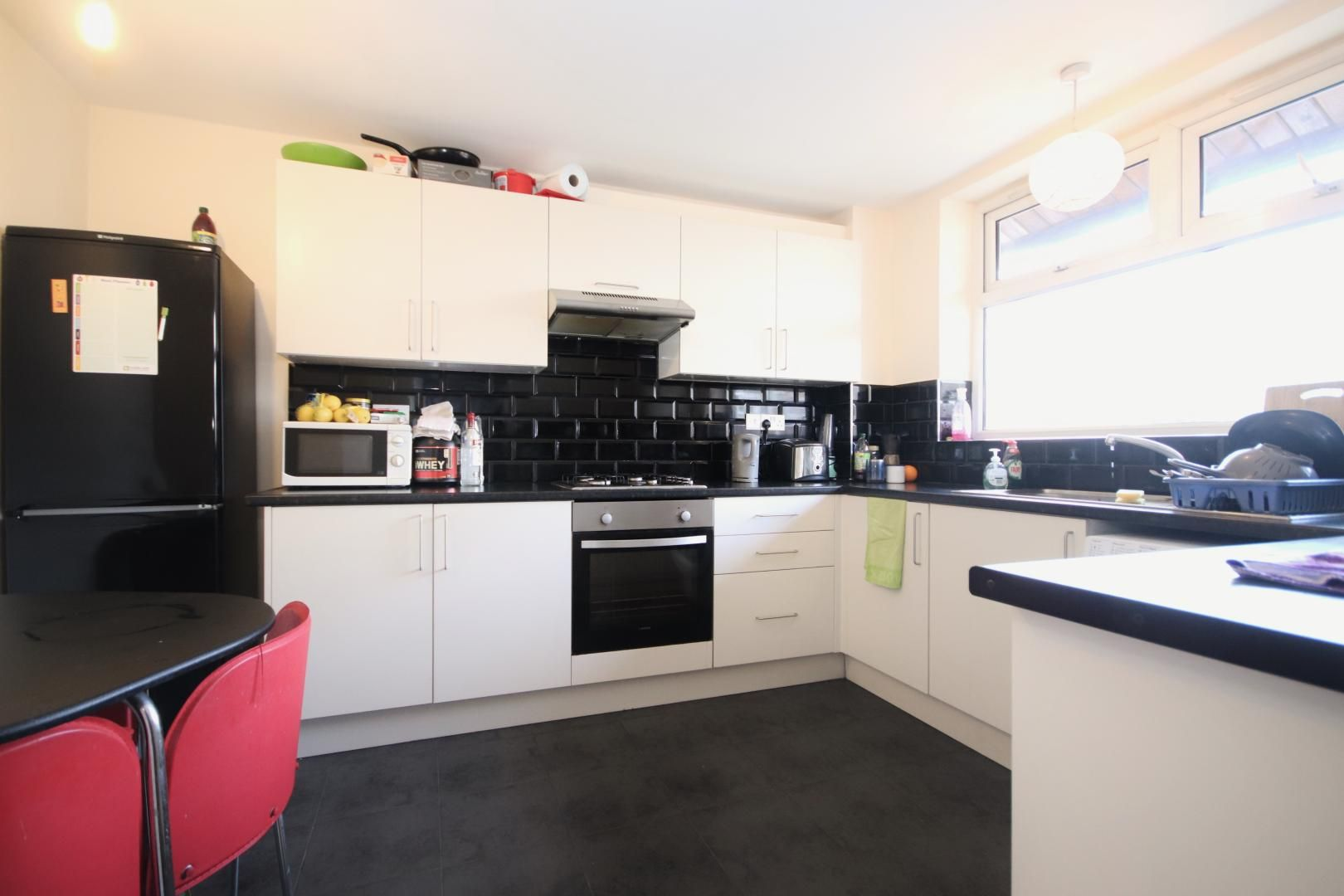1 bed flat to rent in Gough Walk  - Property Image 4