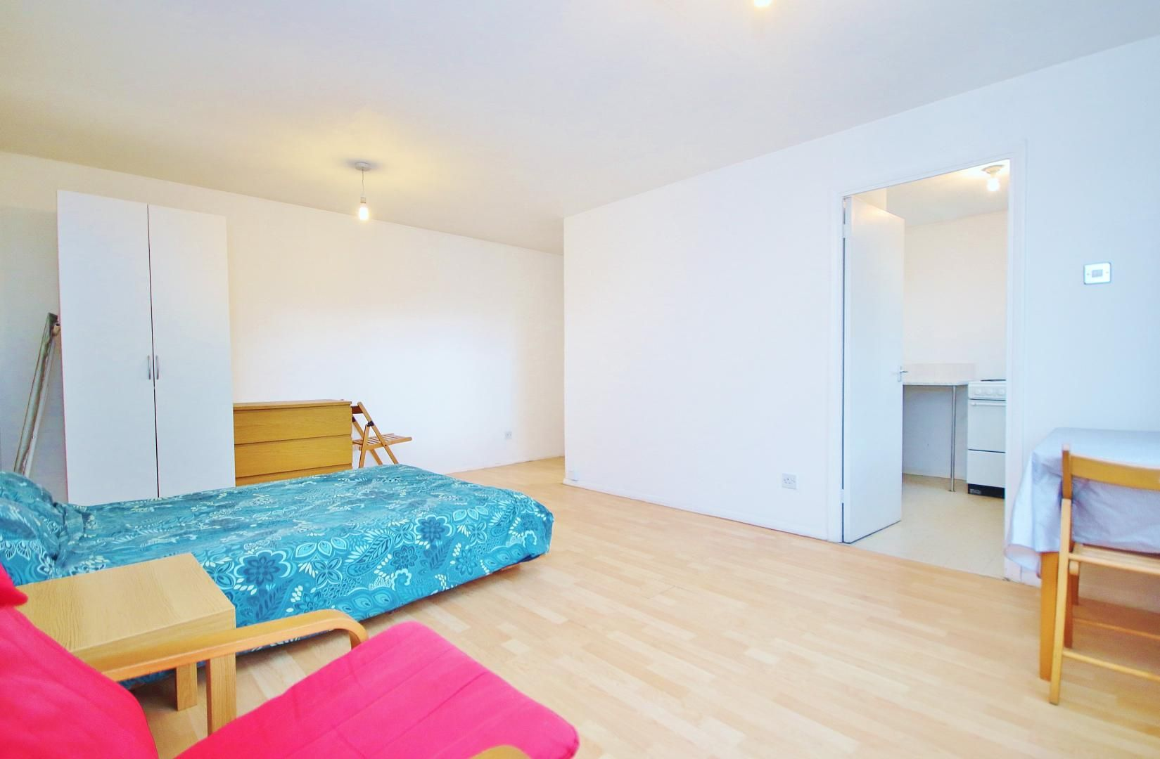 to rent in Telegraph Place, E14