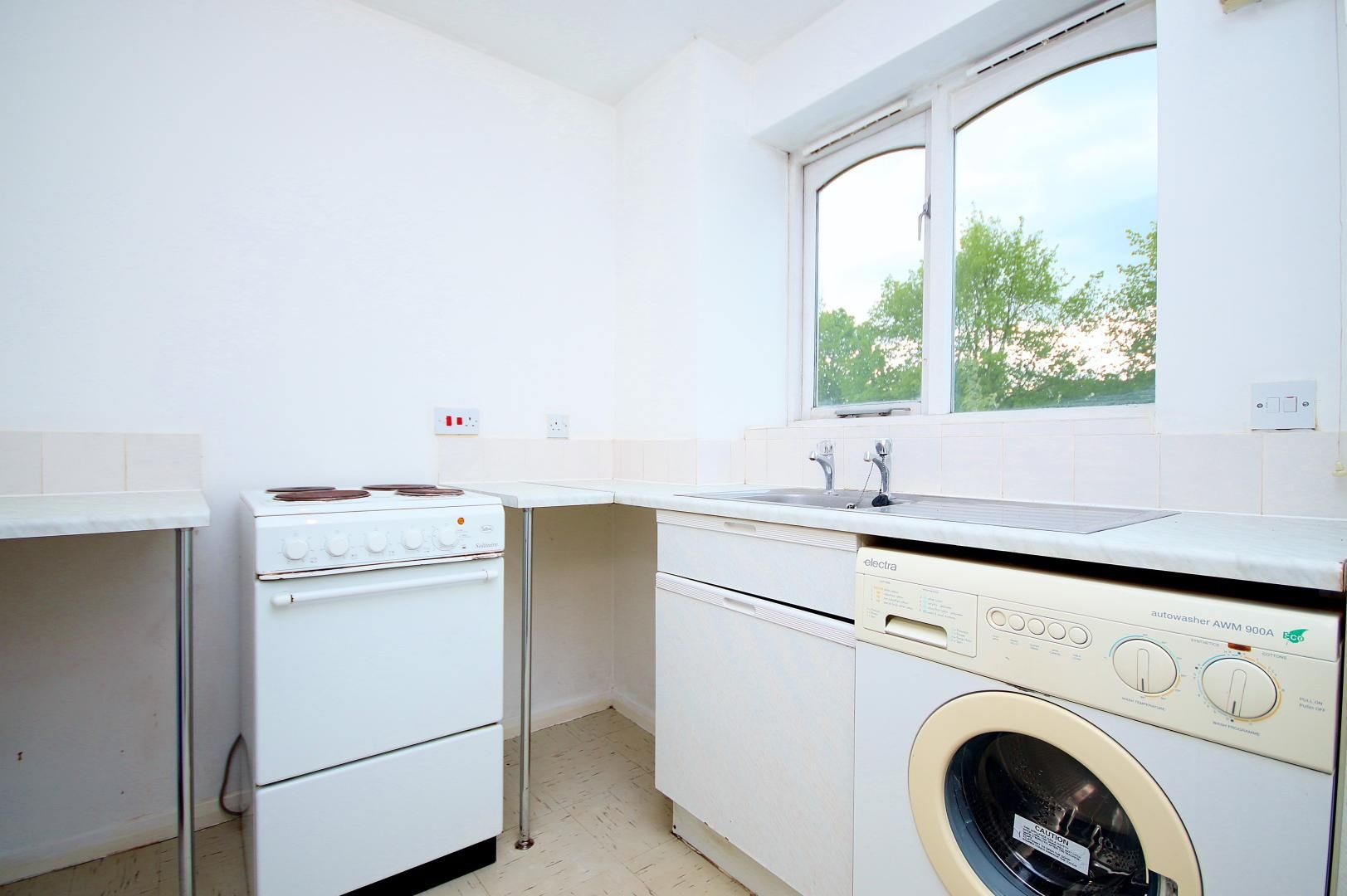 to rent in Telegraph Place  - Property Image 3