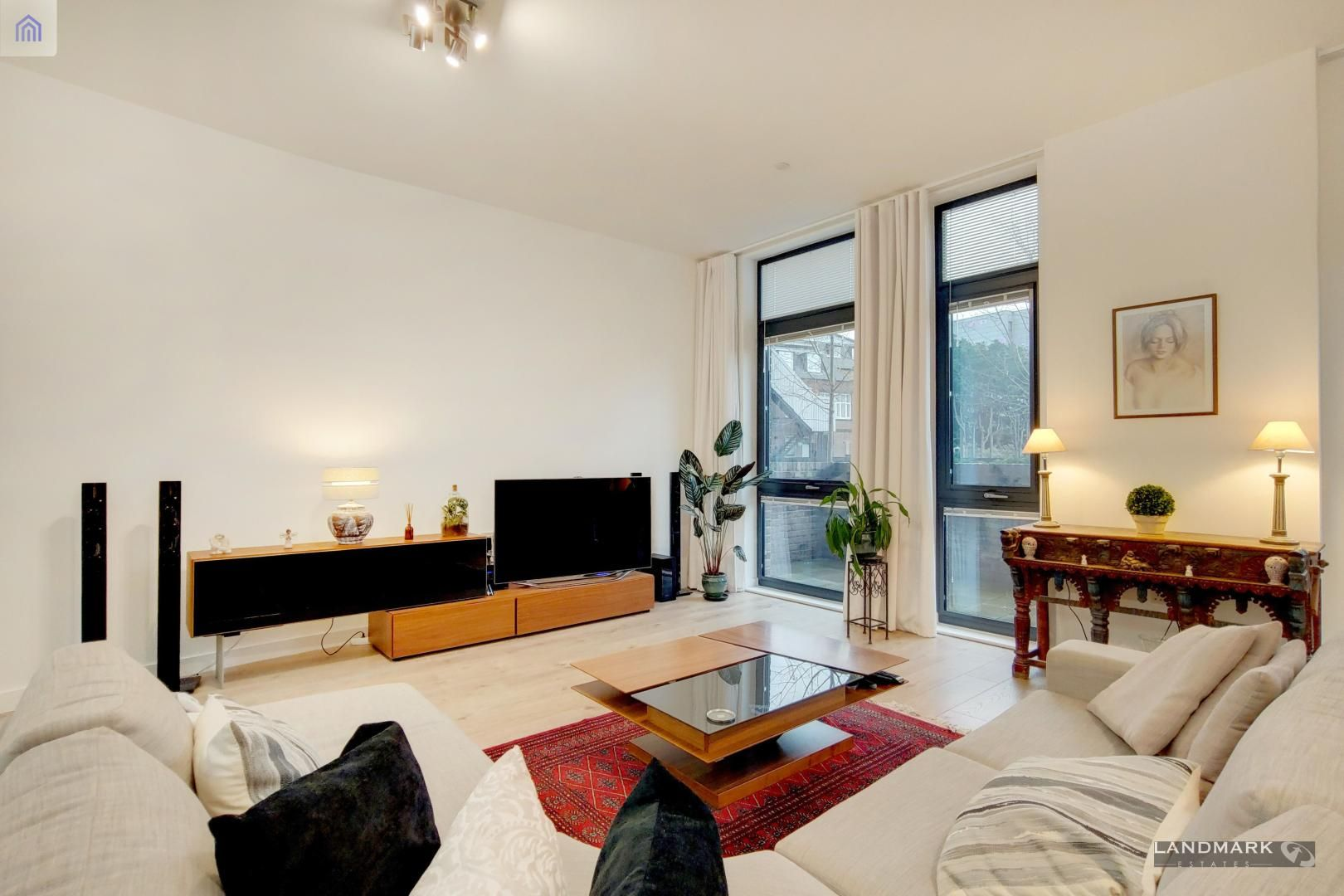 3 bed house for sale in Williamsburg Plaza  - Property Image 2
