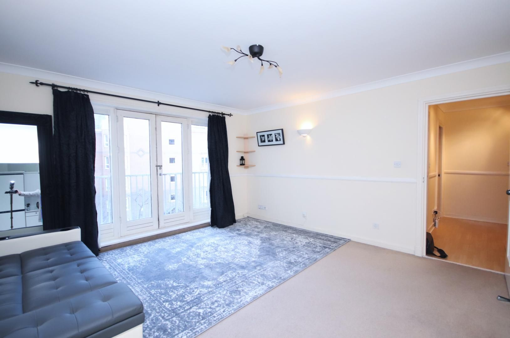 1 bed flat for sale in Hera Court  - Property Image 2